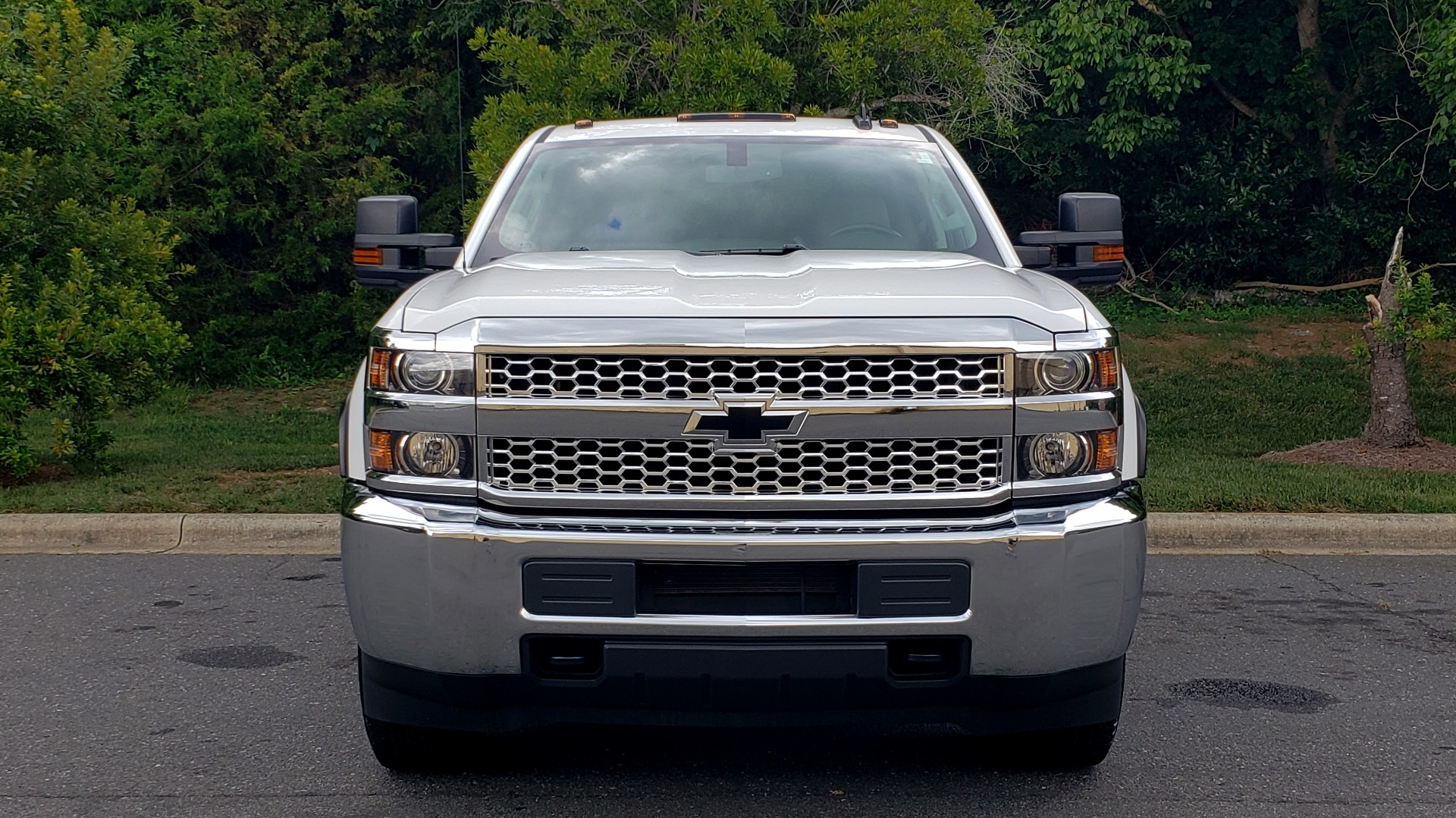 Used 2019 Chevrolet SILVERADO 2500HD WORK TRUCK / CREW CAB / 6.0L V8 / 4WD / BEDLINER for sale Sold at Formula Imports in Charlotte NC 28227 18