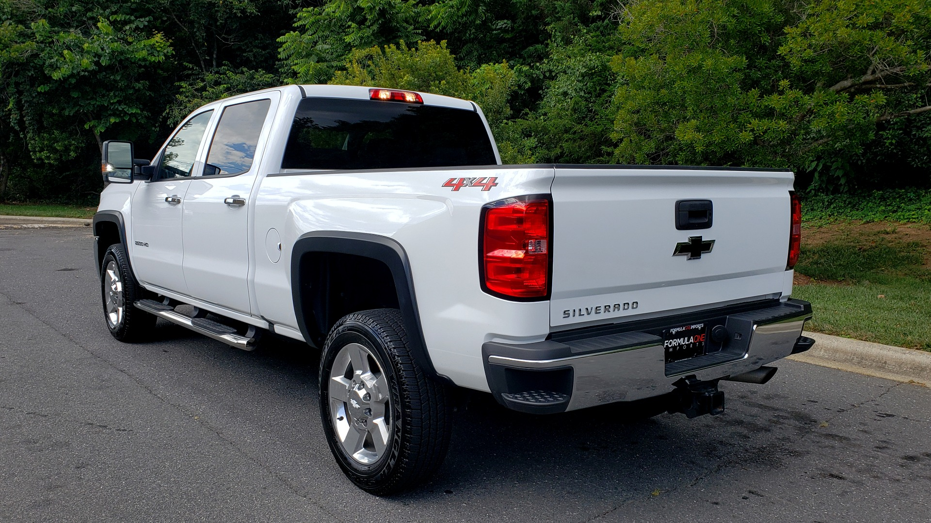 Used 2019 Chevrolet SILVERADO 2500HD WORK TRUCK / CREW CAB / 6.0L V8 / 4WD / BEDLINER for sale Sold at Formula Imports in Charlotte NC 28227 3
