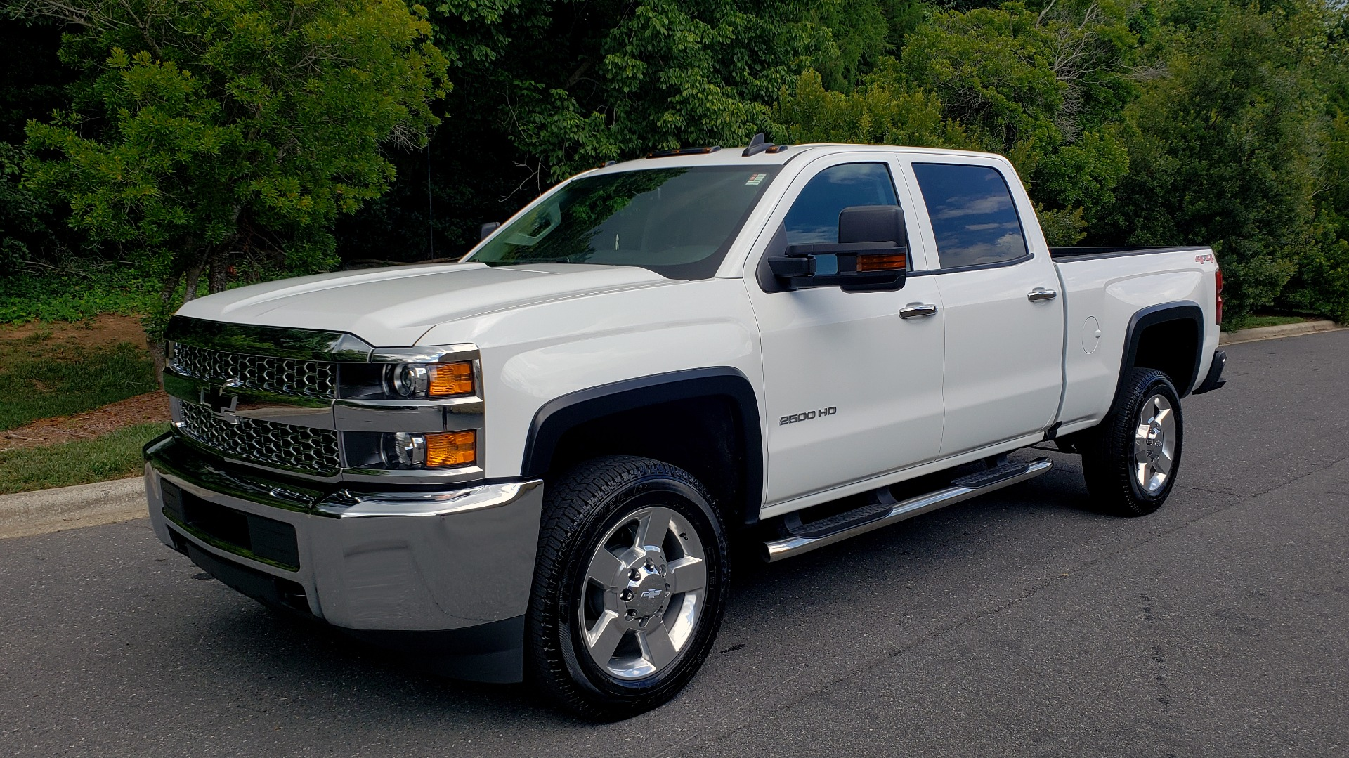 Used 2019 Chevrolet SILVERADO 2500HD WORK TRUCK / CREW CAB / 6.0L V8 / 4WD / BEDLINER for sale Sold at Formula Imports in Charlotte NC 28227 1