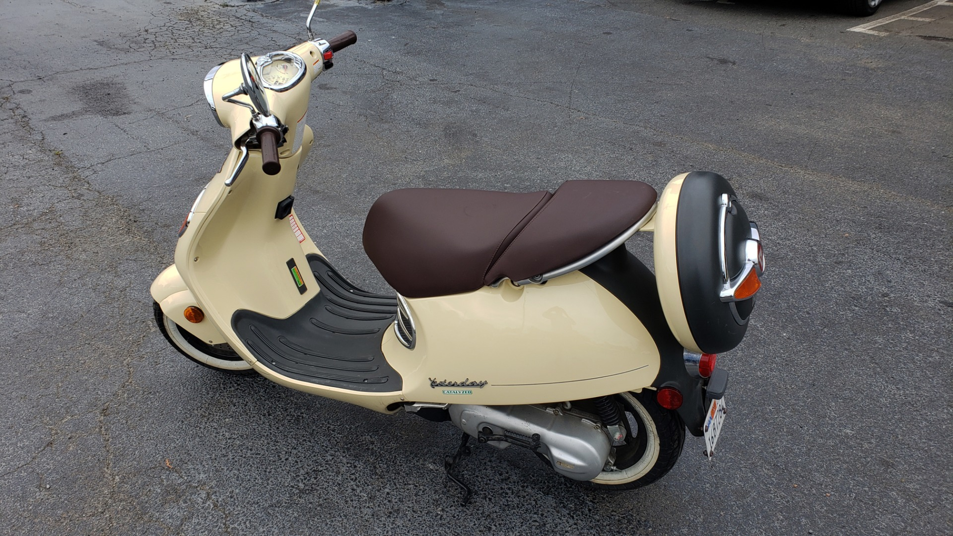 Used 2002 MALAGUTI YESTERDAY 50CC SCOOTER - INCLUDES HELMET for sale $1,799 at Formula Imports in Charlotte NC 28227 4