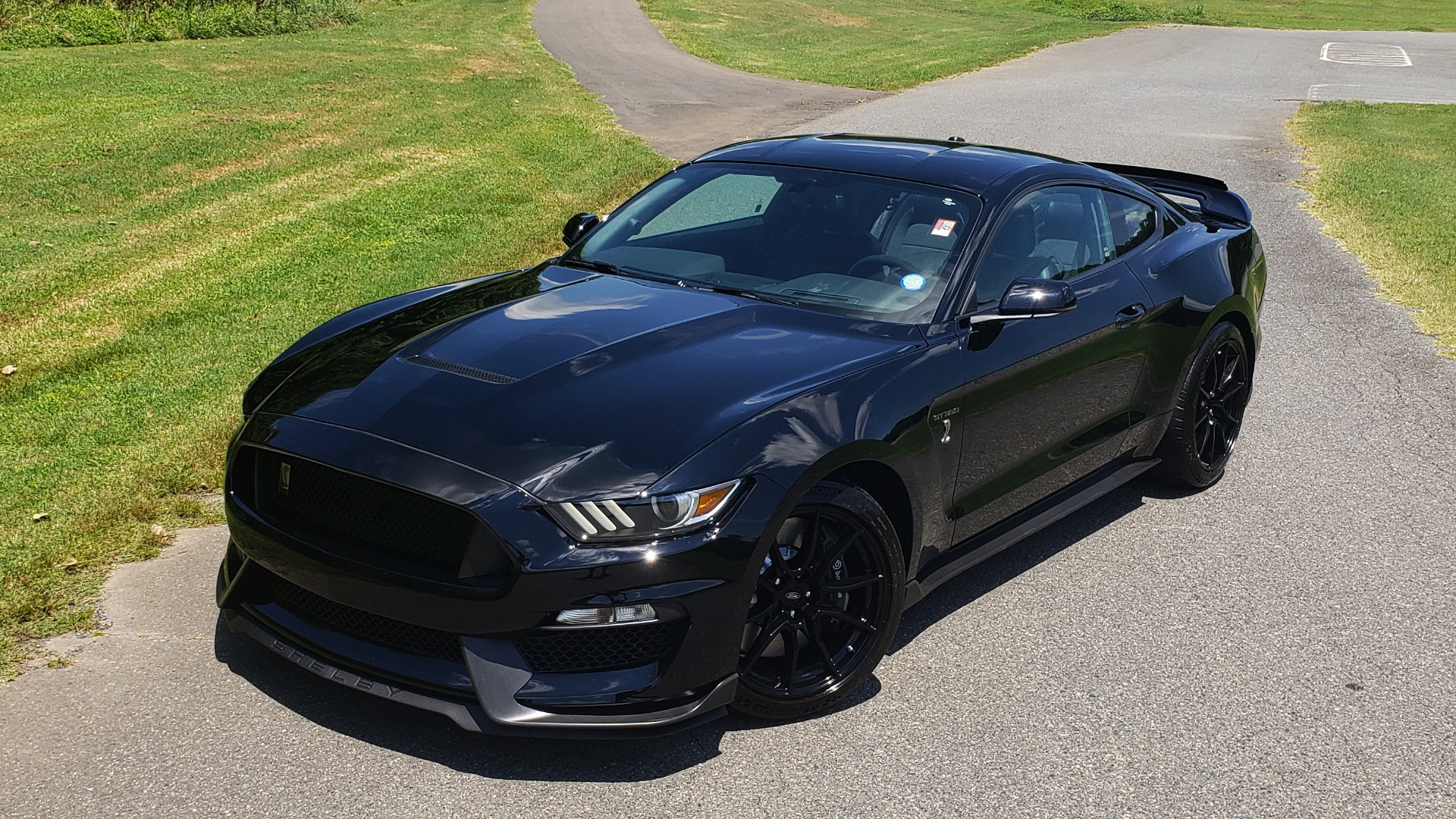 Used 2019 Ford MUSTANG SHELBY GT350 COUPE / TECH PKG / B&O SND / NAV / HNDLNG PKG / REARVIEW for sale Sold at Formula Imports in Charlotte NC 28227 2