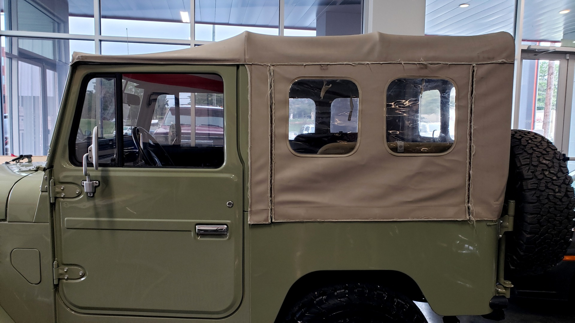 Used 1981 Toyota FJ40 LAND CRUISER 4X4 / FULL RESTORATION / 6500KM SINCE COMPLETE for sale Sold at Formula Imports in Charlotte NC 28227 14
