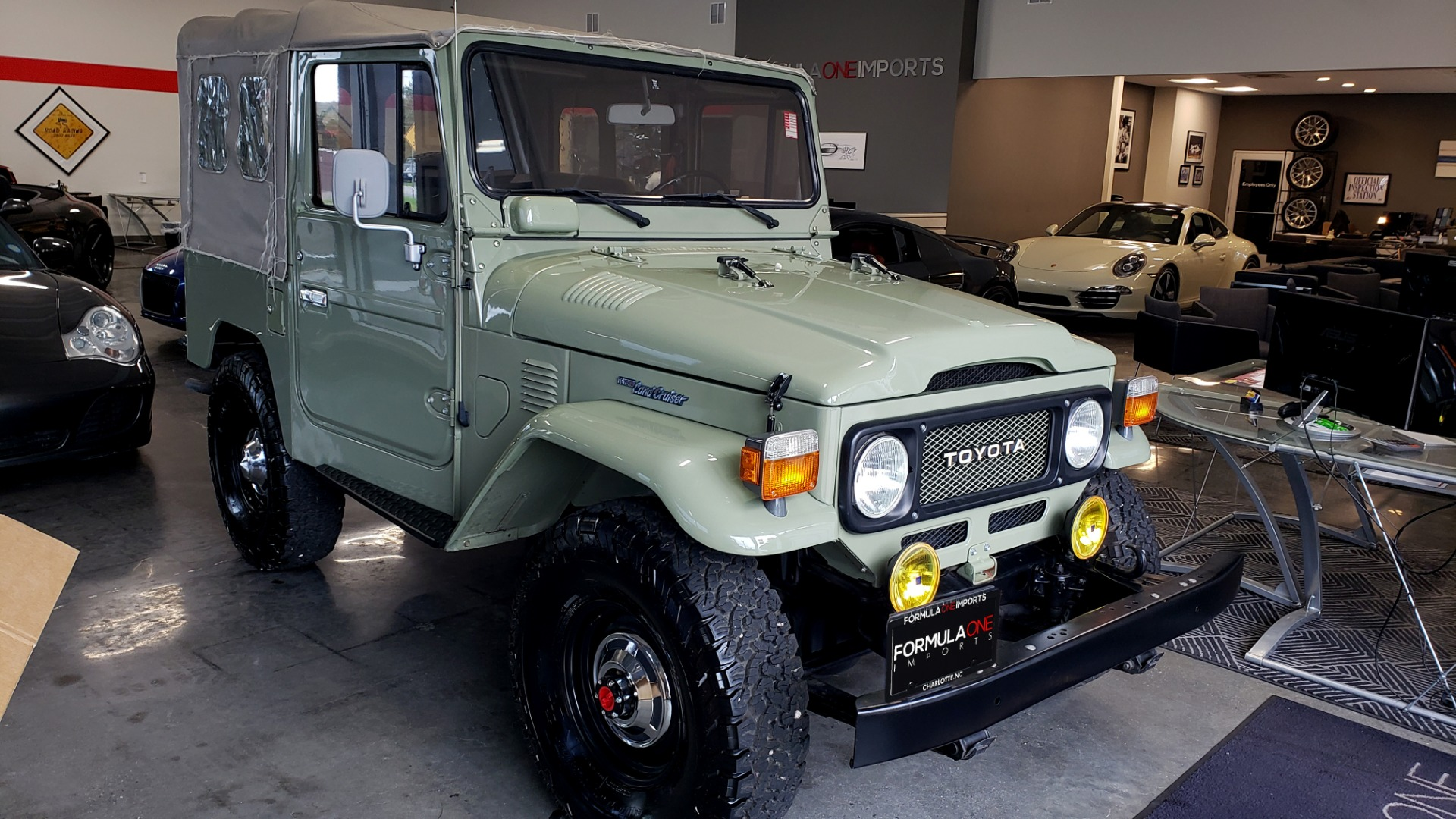Used 1981 Toyota FJ40 LAND CRUISER FULL RESTORATION - 6500KM SINCE COMPLETE for sale $43,995 at Formula Imports in Charlotte NC 28227 17