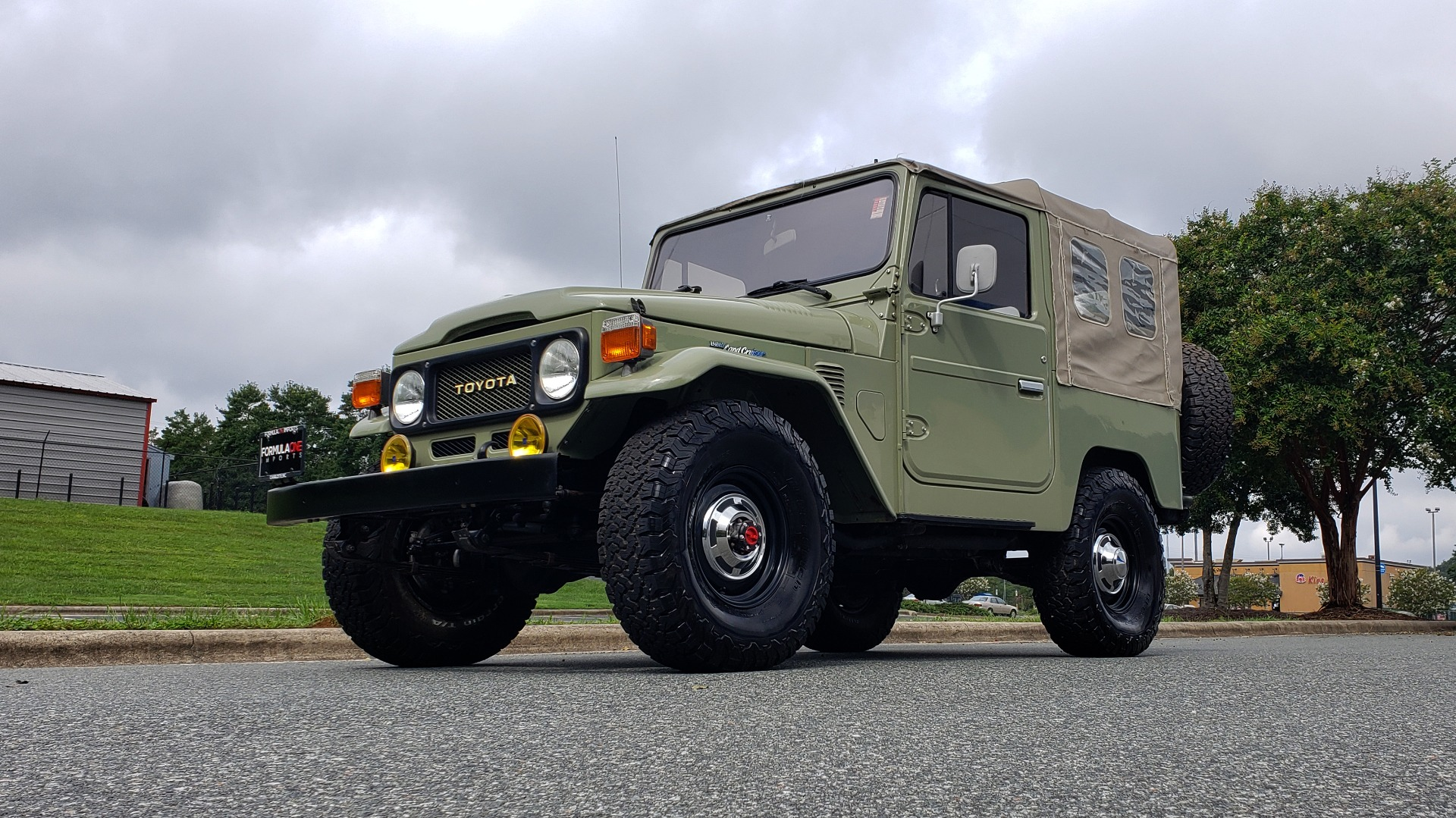 Used 1981 Toyota FJ40 LAND CRUISER 4X4 / FULL RESTORATION / 6500KM SINCE COMPLETE for sale Sold at Formula Imports in Charlotte NC 28227 2