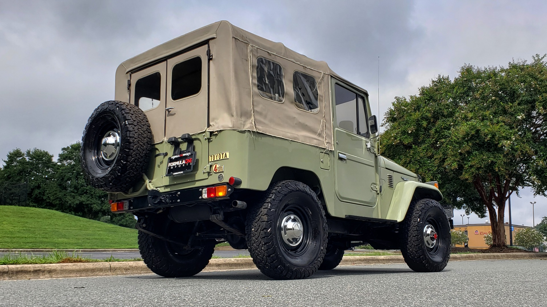 Used 1981 Toyota FJ40 LAND CRUISER 4X4 / FULL RESTORATION / 6500KM SINCE COMPLETE for sale Sold at Formula Imports in Charlotte NC 28227 6