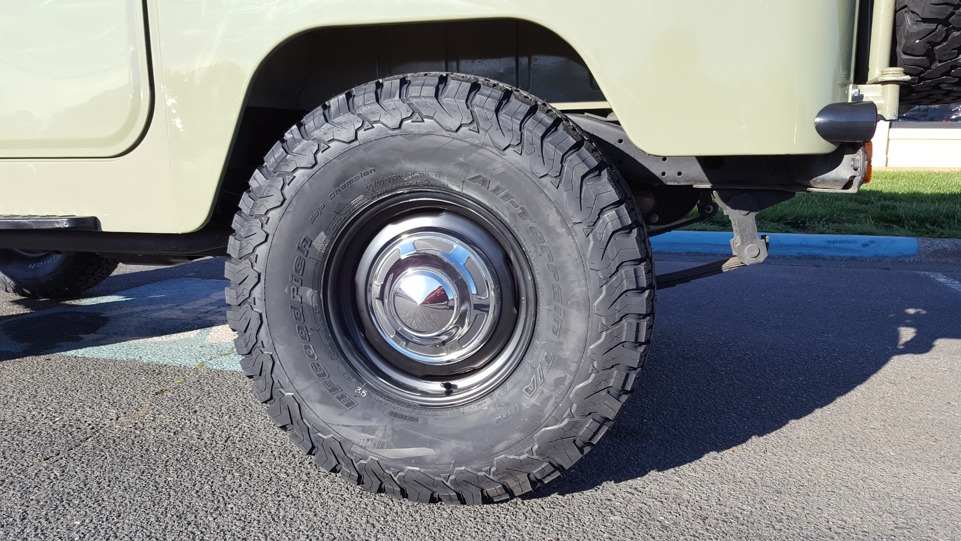 Used 1981 Toyota FJ40 LAND CRUISER 4X4 / FULL RESTORATION / 6500KM SINCE COMPLETE for sale Sold at Formula Imports in Charlotte NC 28227 92