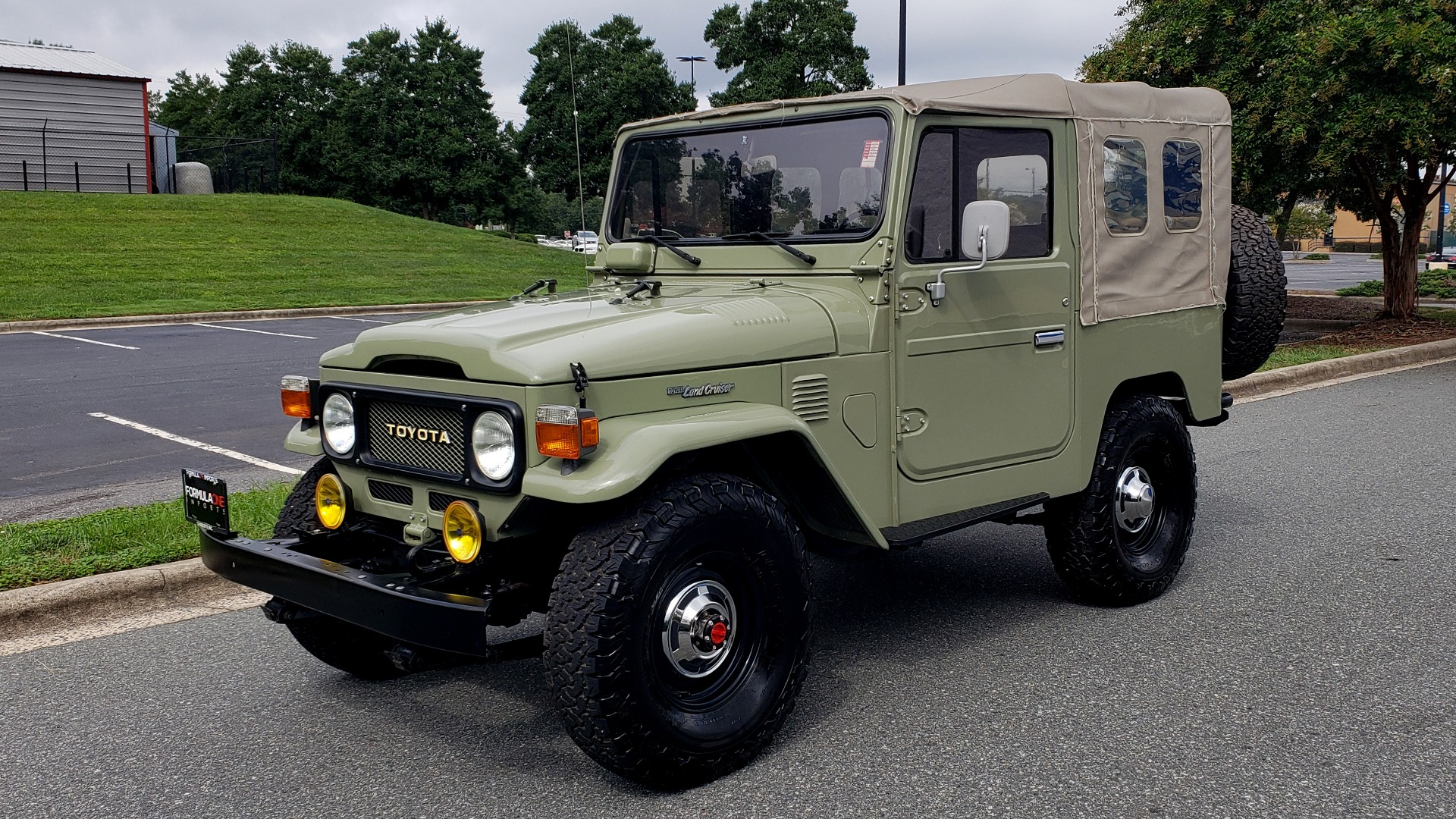 Used 1981 Toyota FJ40 LAND CRUISER FULL RESTORATION - 6500KM SINCE COMPLETE for sale $43,995 at Formula Imports in Charlotte NC 28227 1