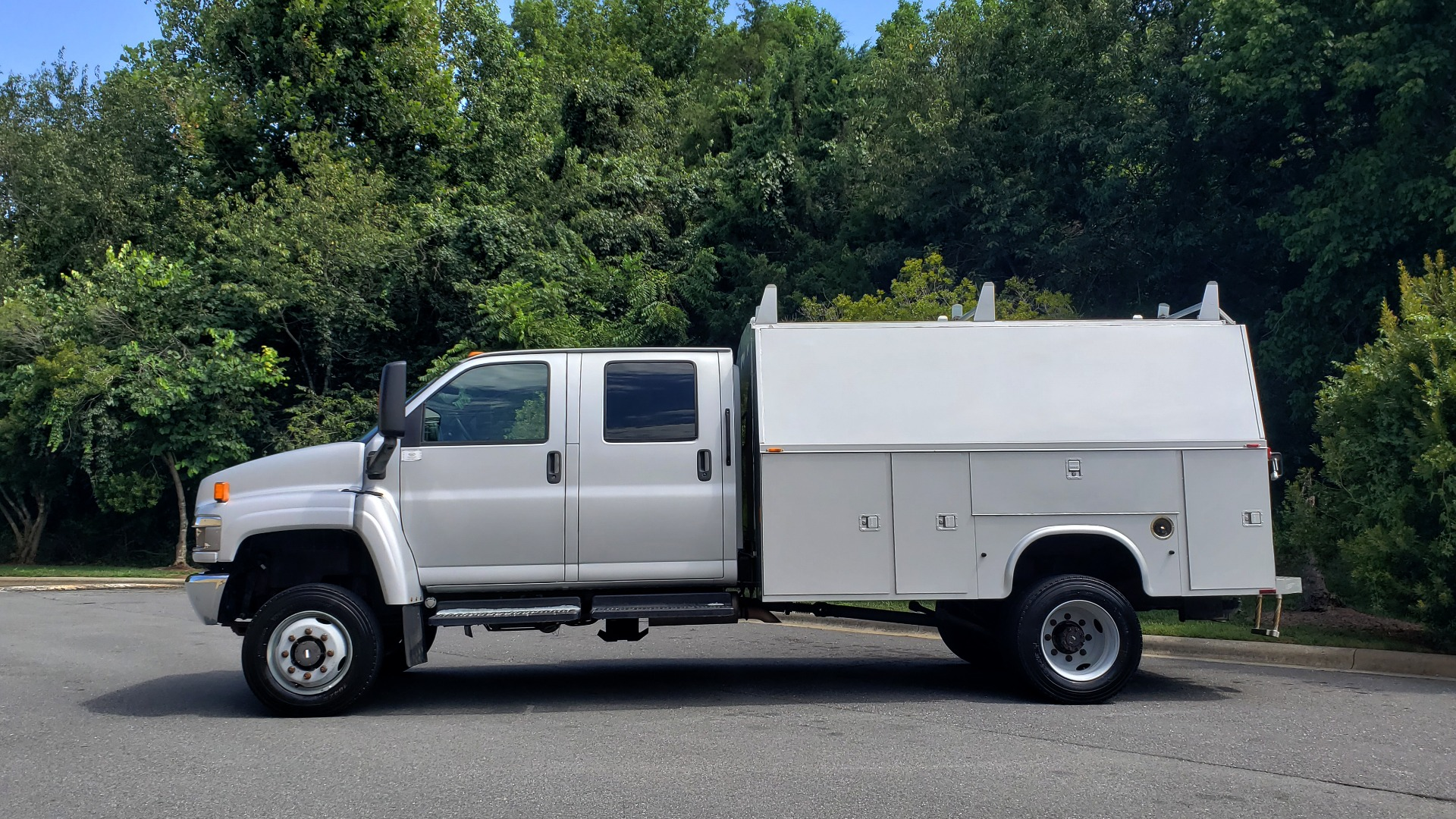 Used 2006 GMC TC4500 CREWCAB 4X4 6.6L DURAMAX / ALLISON TRANS / A/C / CRUISE CONTROL for sale Sold at Formula Imports in Charlotte NC 28227 2