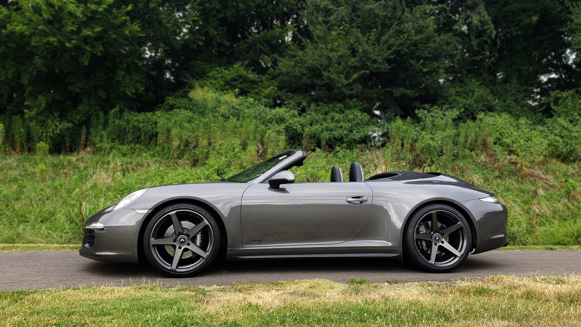 Used 2015 Porsche 911 CARRERA GTS / CONVERTIBLE / NAV / CHRONO / BOSE / REARVIEW for sale Sold at Formula Imports in Charlotte NC 28227 3
