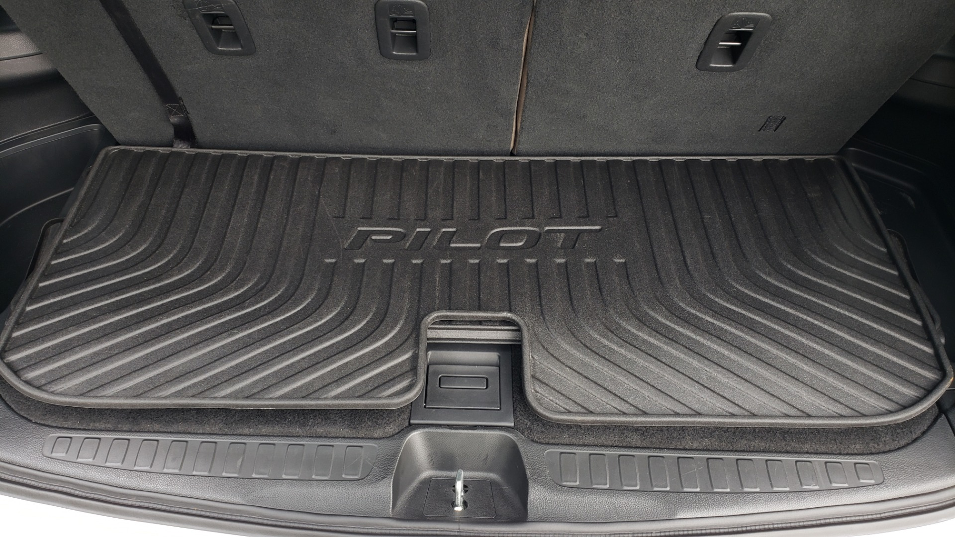 Used 2019 Honda PILOT EX-L / V6 / NAV / SUNROOF / DVD / 3-ROW / REARVIEW for sale Sold at Formula Imports in Charlotte NC 28227 16