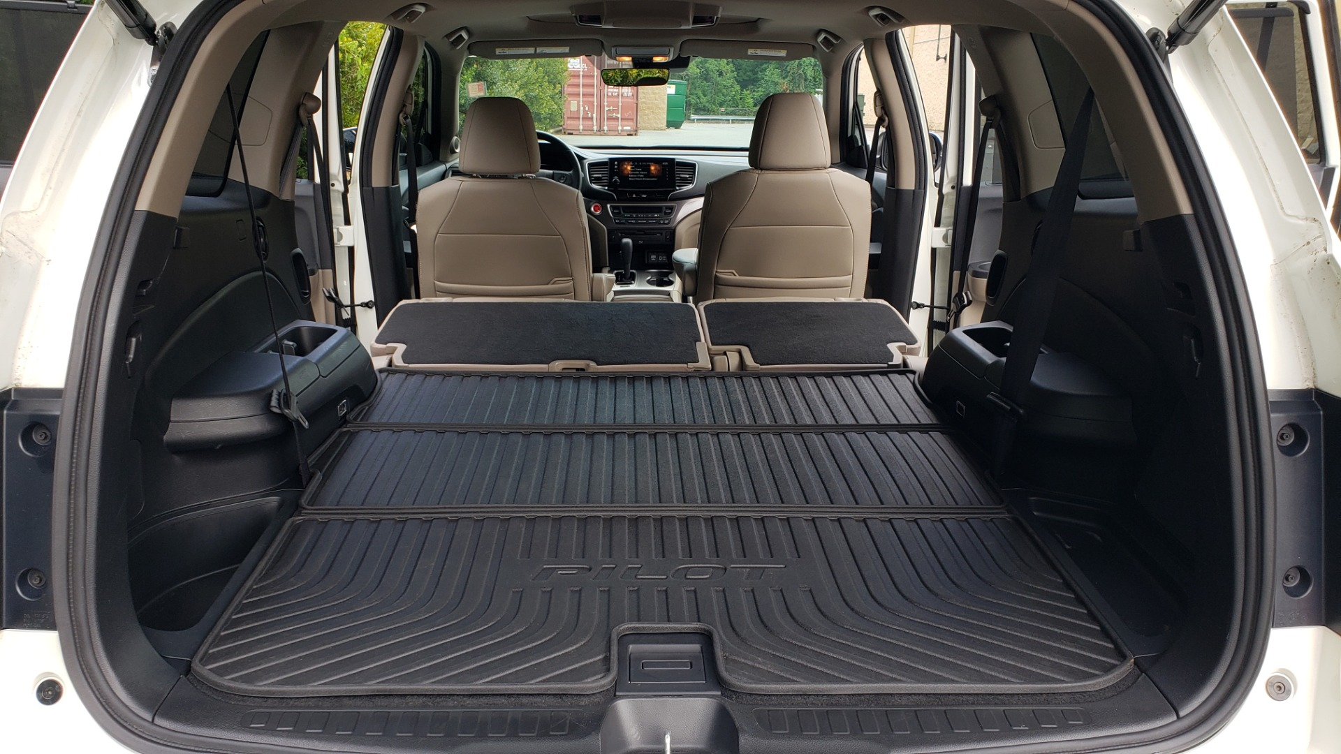 Used 2019 Honda PILOT EX-L / V6 / NAV / SUNROOF / DVD / 3-ROW / REARVIEW for sale Sold at Formula Imports in Charlotte NC 28227 19