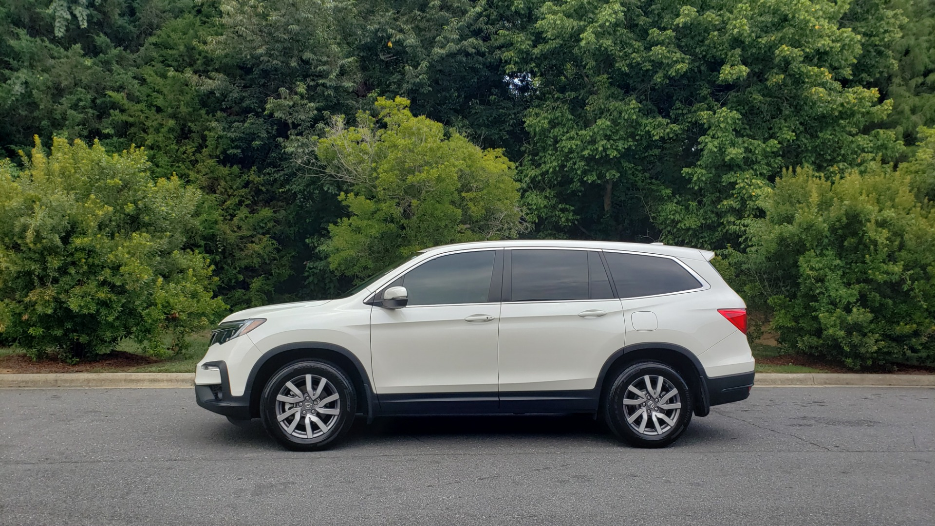 Used 2019 Honda PILOT EX-L / V6 / NAV / SUNROOF / DVD / 3-ROW / REARVIEW for sale Sold at Formula Imports in Charlotte NC 28227 2