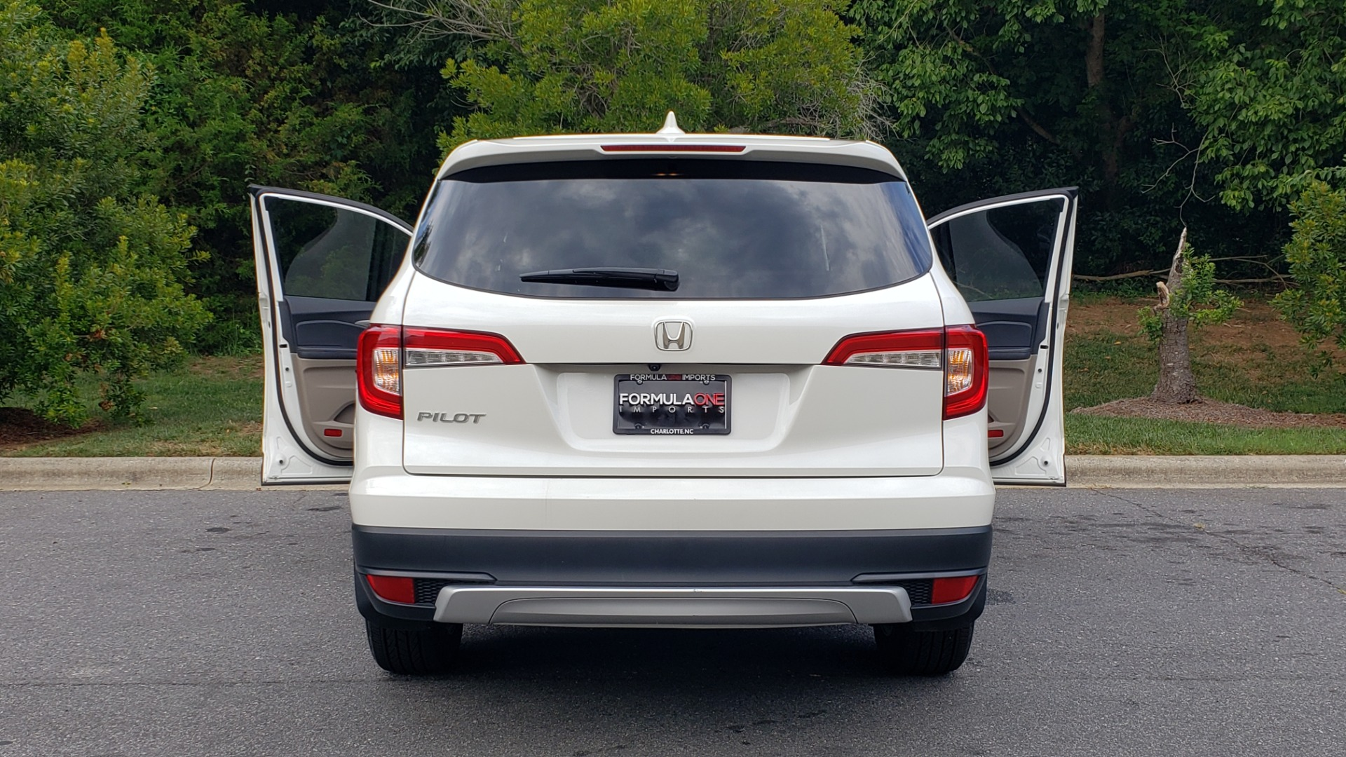 Used 2019 Honda PILOT EX-L / V6 / NAV / SUNROOF / DVD / 3-ROW / REARVIEW for sale Sold at Formula Imports in Charlotte NC 28227 29