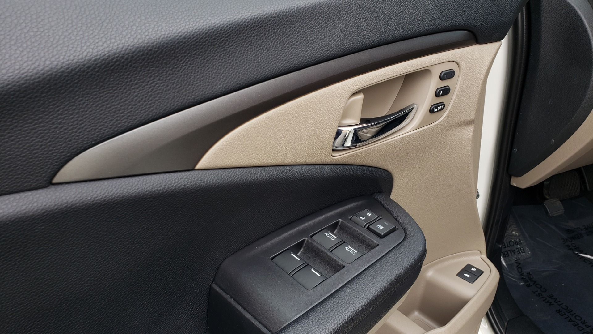 Used 2019 Honda PILOT EX-L / V6 / NAV / SUNROOF / DVD / 3-ROW / REARVIEW for sale Sold at Formula Imports in Charlotte NC 28227 34