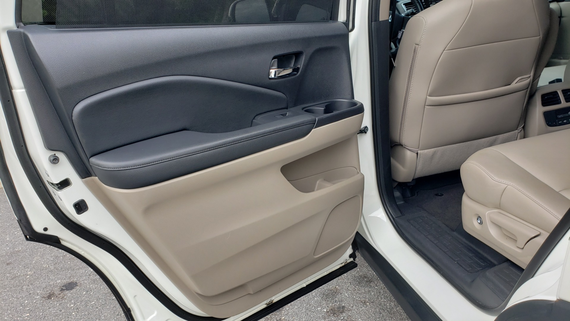 Used 2019 Honda PILOT EX-L / V6 / NAV / SUNROOF / DVD / 3-ROW / REARVIEW for sale Sold at Formula Imports in Charlotte NC 28227 61