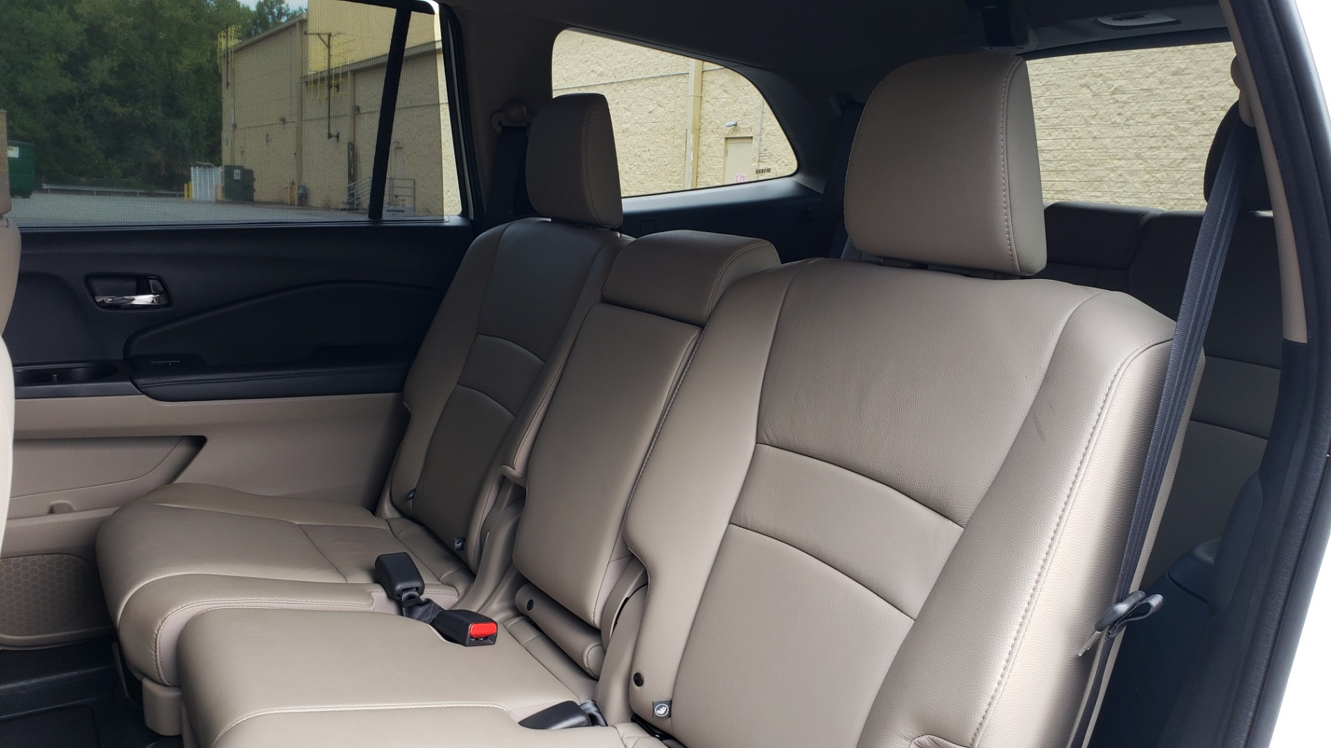 Used 2019 Honda PILOT EX-L / V6 / NAV / SUNROOF / DVD / 3-ROW / REARVIEW for sale Sold at Formula Imports in Charlotte NC 28227 66