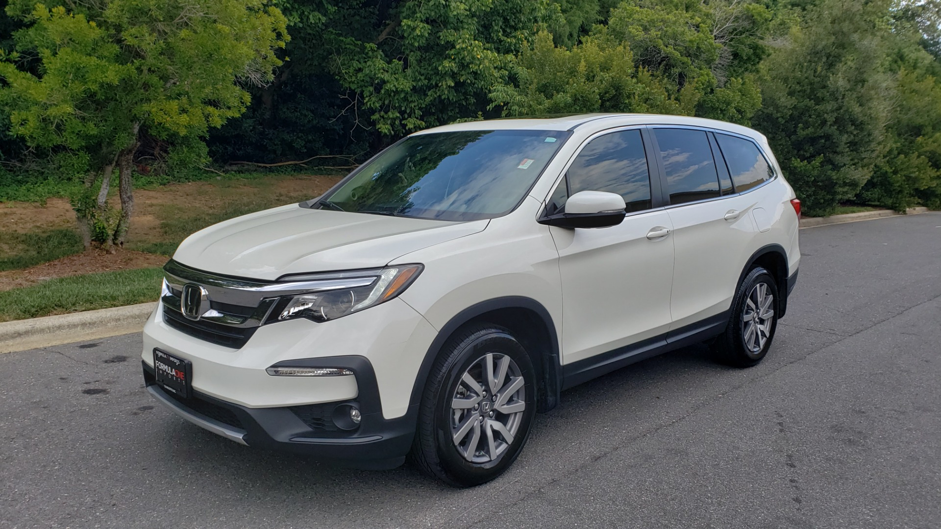 Used 2019 Honda PILOT EX-L / V6 / NAV / SUNROOF / DVD / 3-ROW / REARVIEW for sale Sold at Formula Imports in Charlotte NC 28227 1