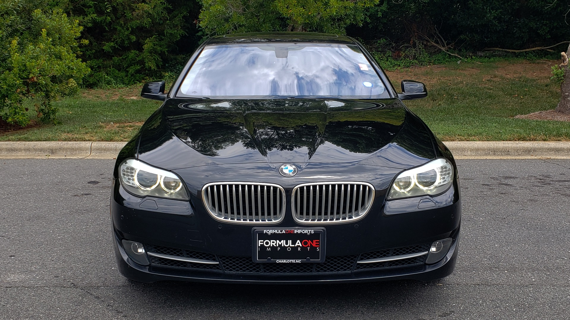 Used 2013 BMW 5 SERIES 550I XDRIVE LUX PKG / EXEC / COLD WTHR / NAV / SUNROOF / REARVIEW for sale Sold at Formula Imports in Charlotte NC 28227 16