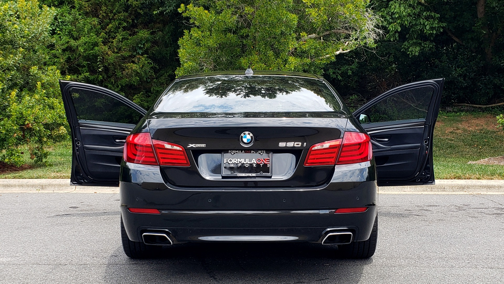 Used 2013 BMW 5 SERIES 550I XDRIVE LUX PKG / EXEC / COLD WTHR / NAV / SUNROOF / REARVIEW for sale Sold at Formula Imports in Charlotte NC 28227 23