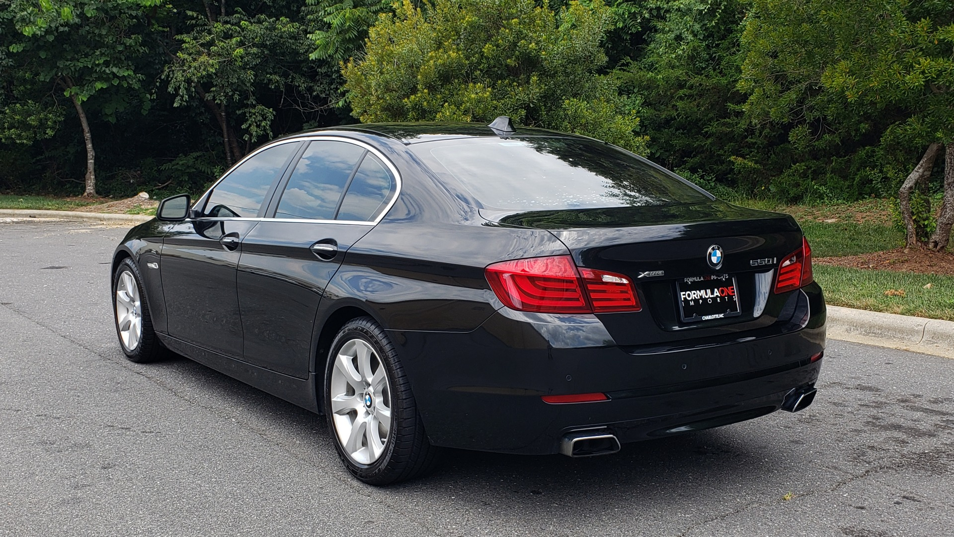 Used 2013 BMW 5 SERIES 550I XDRIVE LUX PKG / EXEC / COLD WTHR / NAV / SUNROOF / REARVIEW for sale Sold at Formula Imports in Charlotte NC 28227 3
