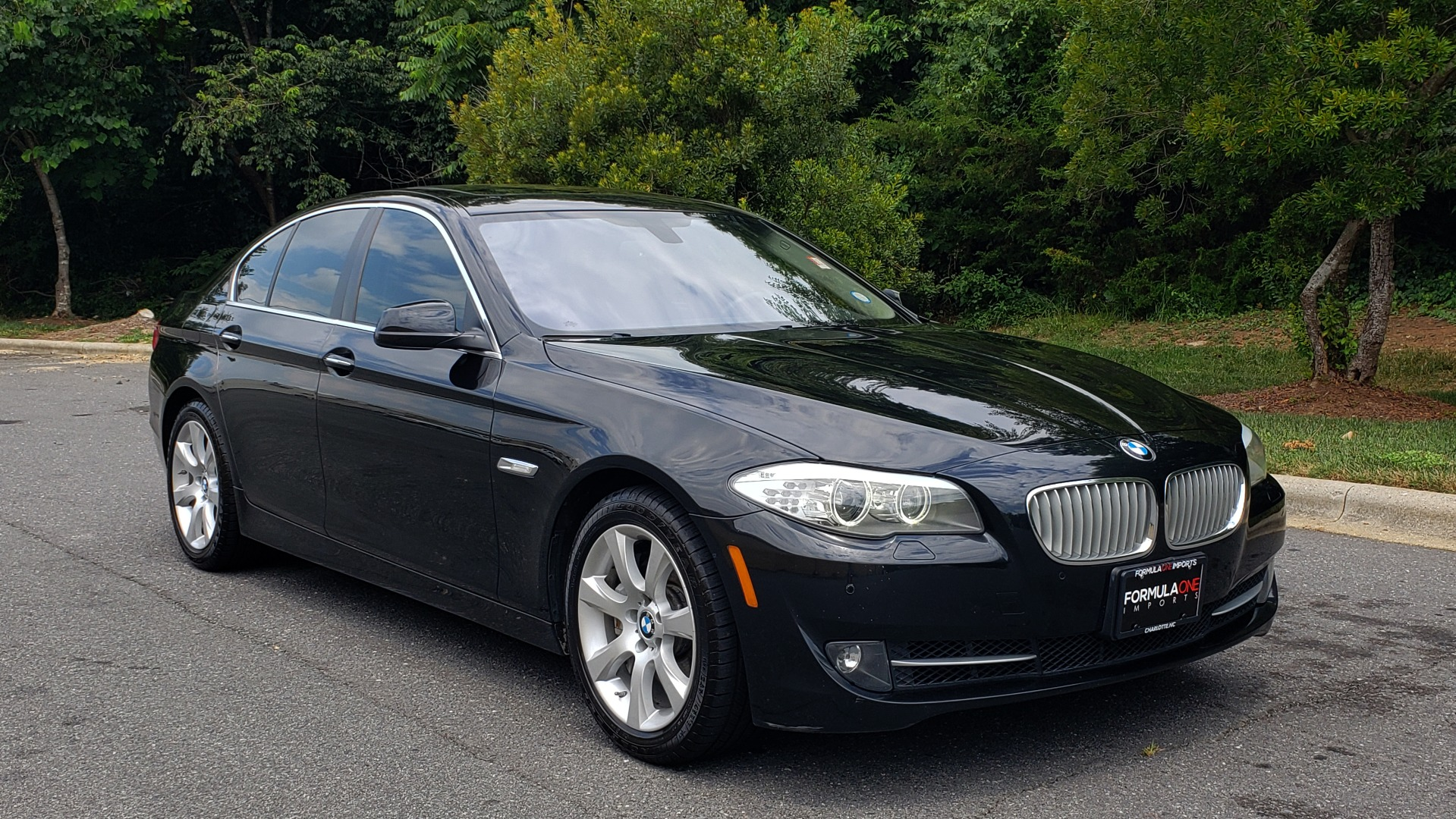 Used 2013 BMW 5 SERIES 550I XDRIVE LUX PKG / EXEC / COLD WTHR / NAV / SUNROOF / REARVIEW for sale Sold at Formula Imports in Charlotte NC 28227 4
