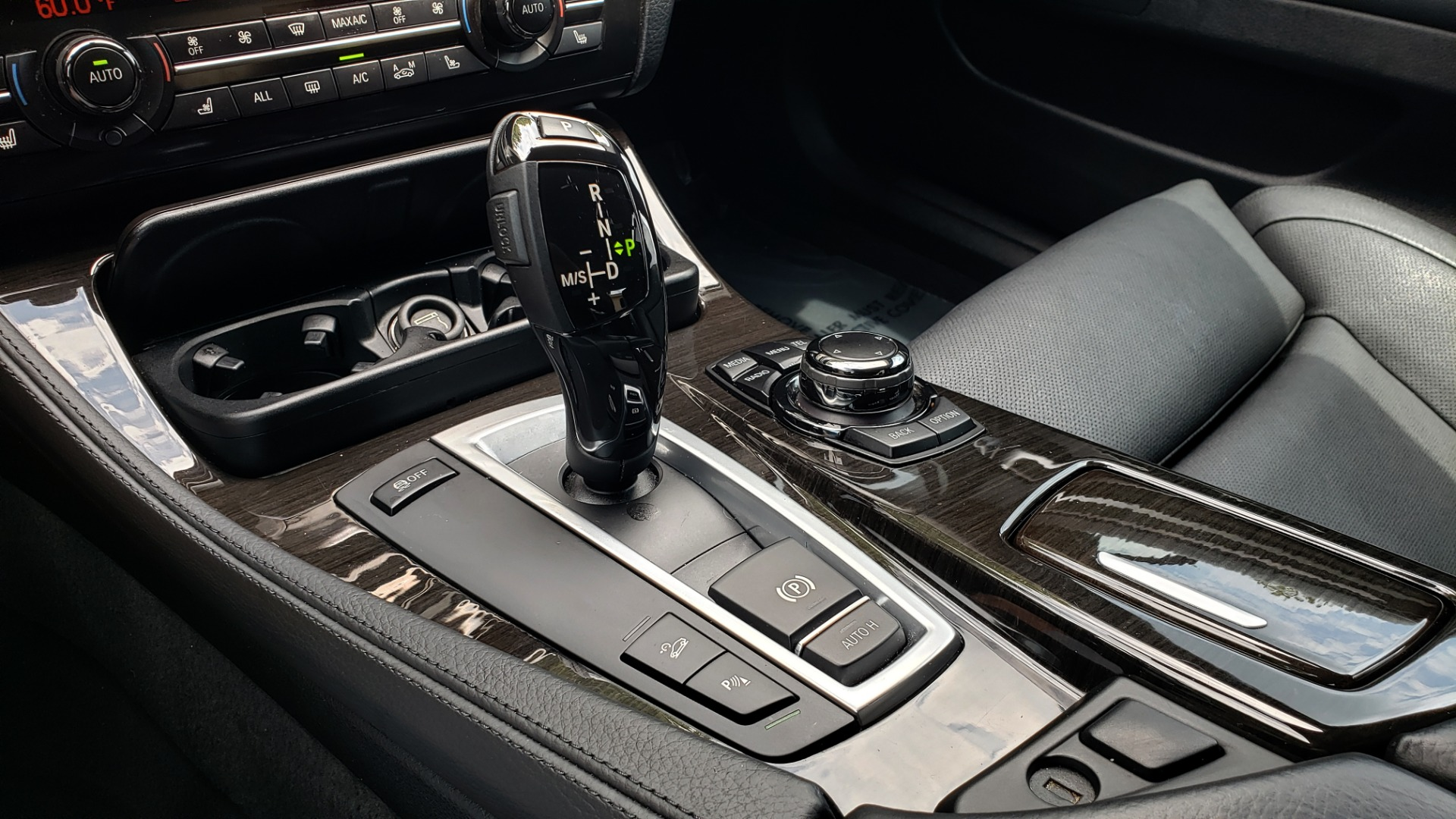 Used 2013 BMW 5 SERIES 550I XDRIVE LUX PKG / EXEC / COLD WTHR / NAV / SUNROOF / REARVIEW for sale $17,995 at Formula Imports in Charlotte NC 28227 43