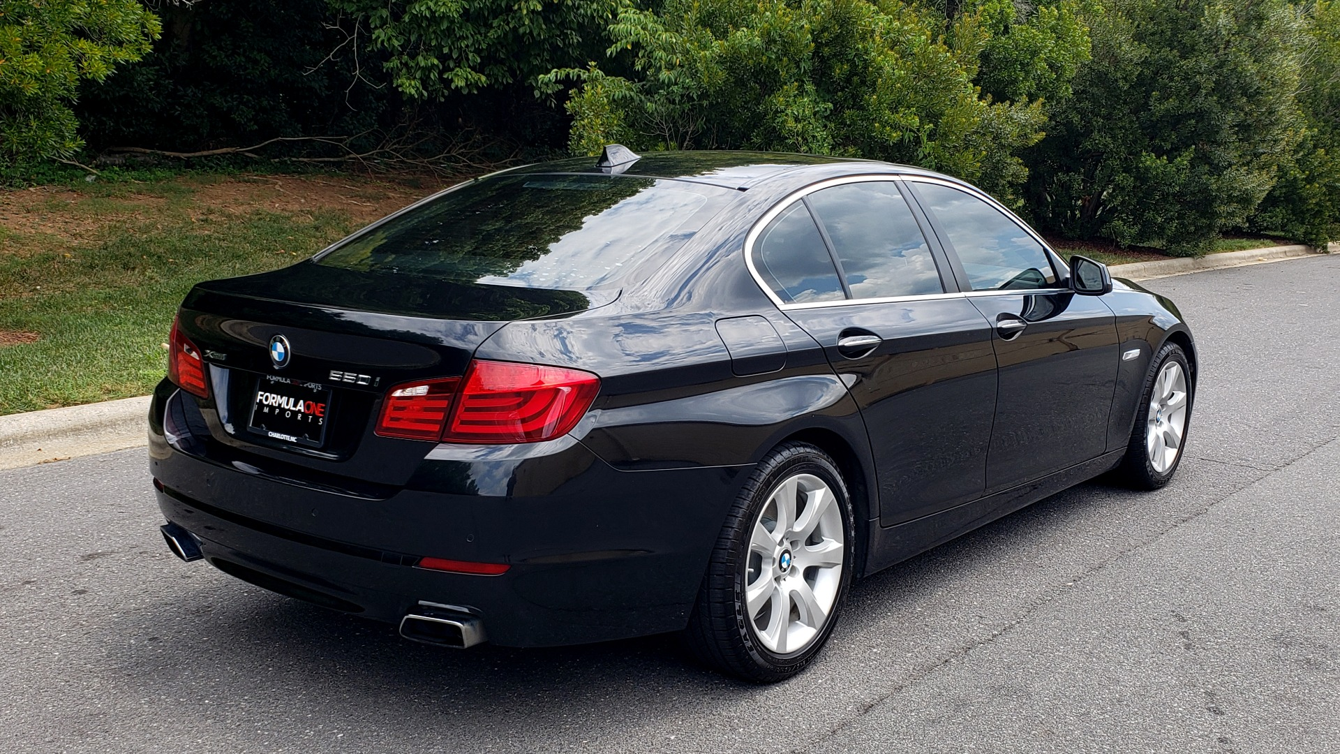 Used 2013 BMW 5 SERIES 550I XDRIVE LUX PKG / EXEC / COLD WTHR / NAV / SUNROOF / REARVIEW for sale Sold at Formula Imports in Charlotte NC 28227 6
