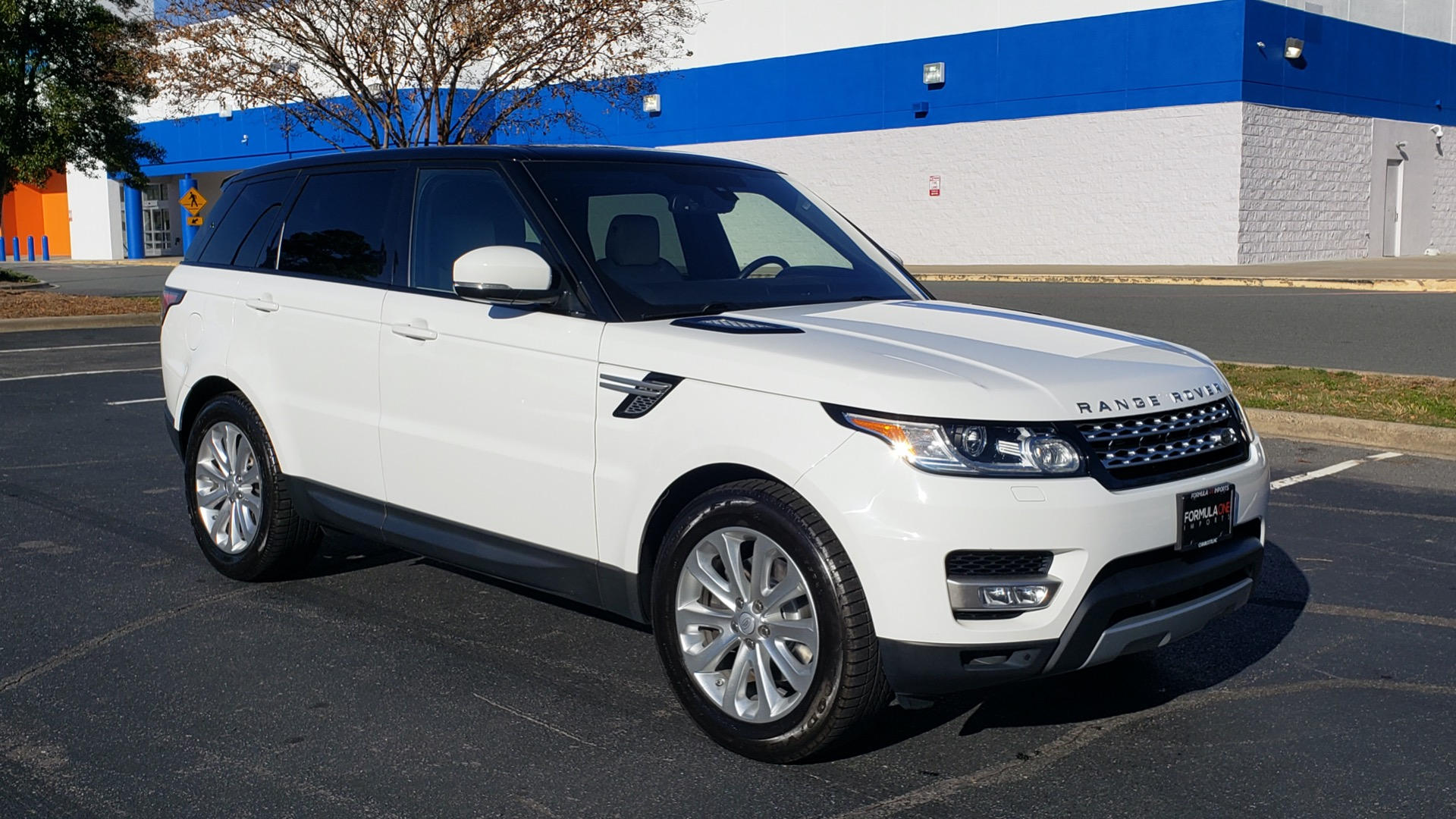 Used 2016 Land Rover RANGE ROVER SPORT SC V6 / NAV / PANO-ROOF / REARVIEW / VISION PKG for sale Sold at Formula Imports in Charlotte NC 28227 10