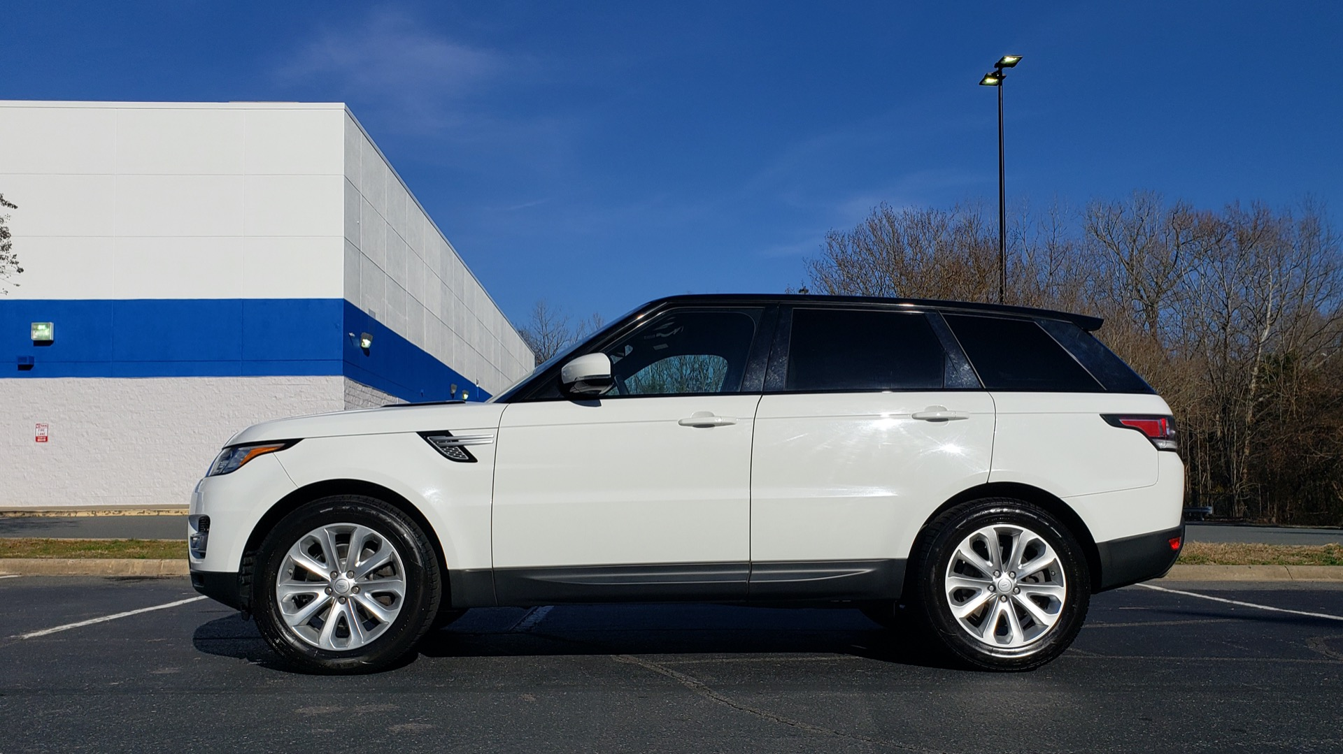 Used 2016 Land Rover RANGE ROVER SPORT SC V6 / NAV / PANO-ROOF / REARVIEW / VISION PKG for sale Sold at Formula Imports in Charlotte NC 28227 2