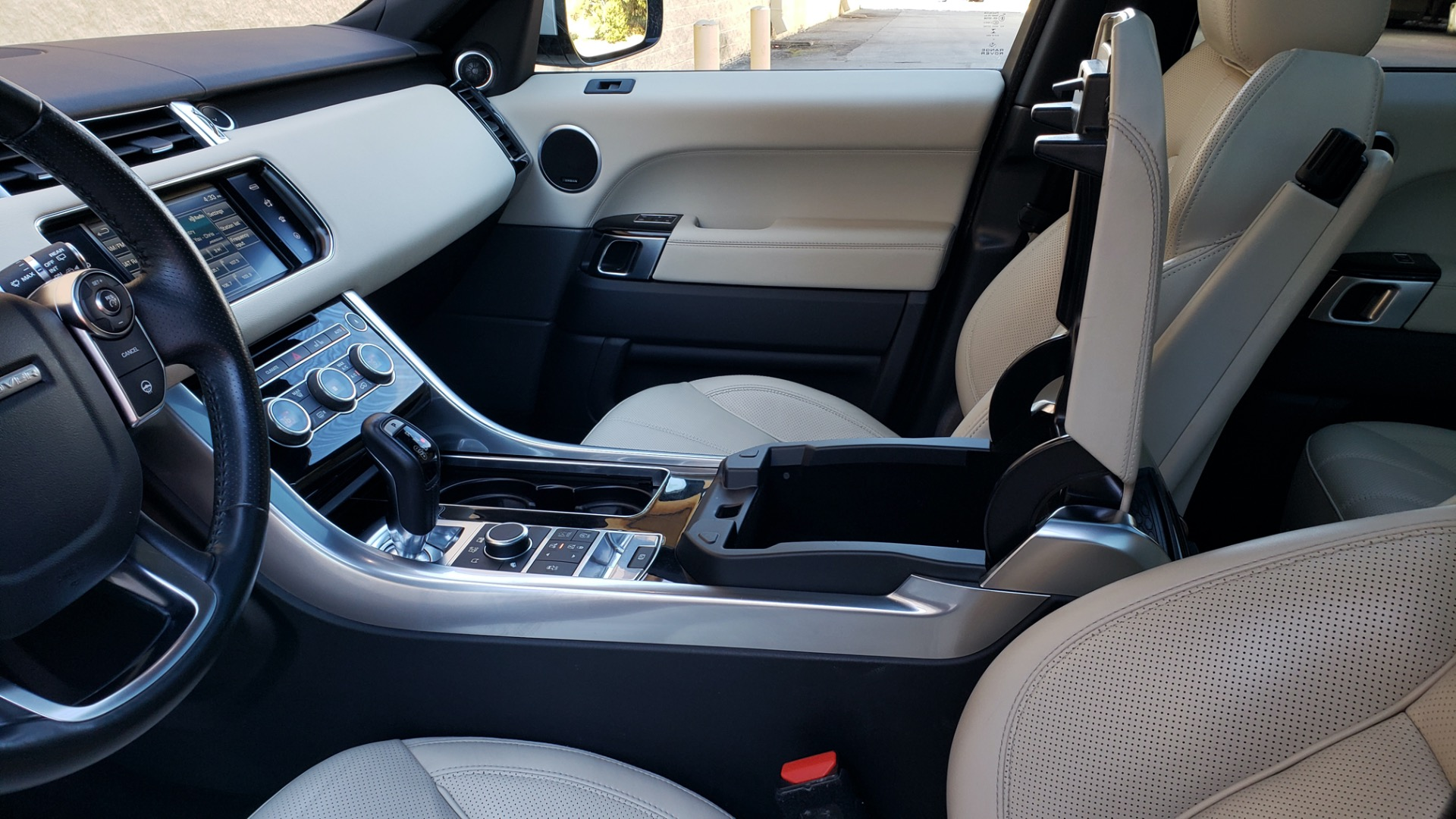 Used 2016 Land Rover RANGE ROVER SPORT SC V6 / NAV / PANO-ROOF / REARVIEW / VISION PKG for sale Sold at Formula Imports in Charlotte NC 28227 58