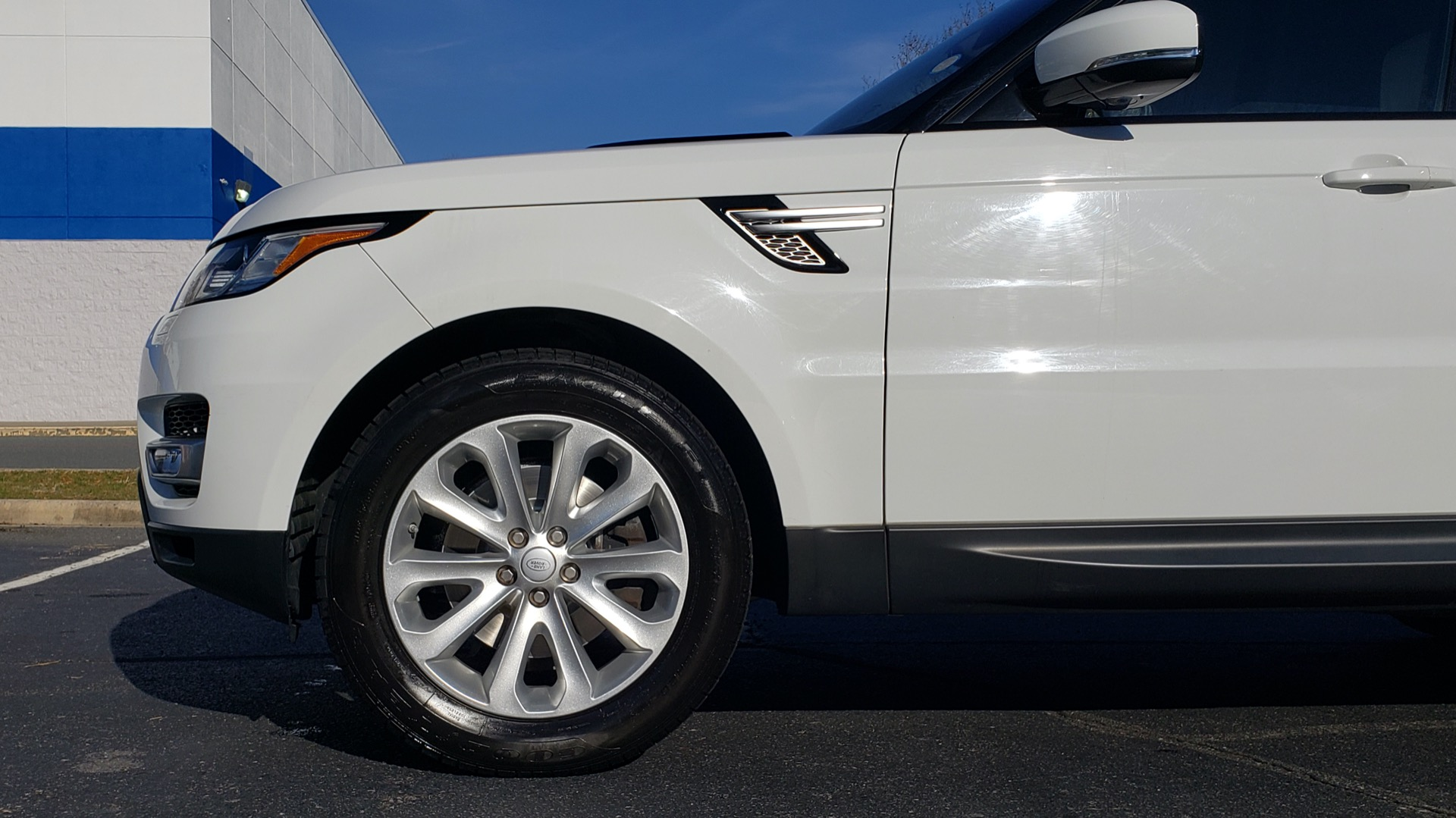 Used 2016 Land Rover RANGE ROVER SPORT SC V6 / NAV / PANO-ROOF / REARVIEW / VISION PKG for sale Sold at Formula Imports in Charlotte NC 28227 6