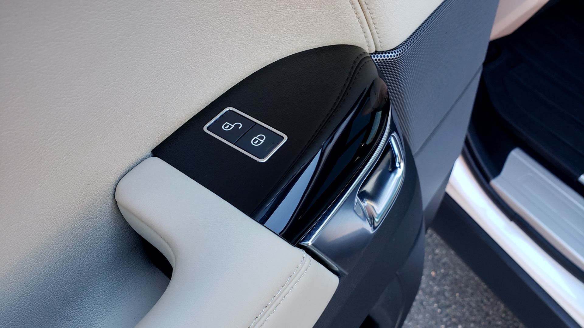 Used 2016 Land Rover RANGE ROVER SPORT SC V6 / NAV / PANO-ROOF / REARVIEW / VISION PKG for sale Sold at Formula Imports in Charlotte NC 28227 62