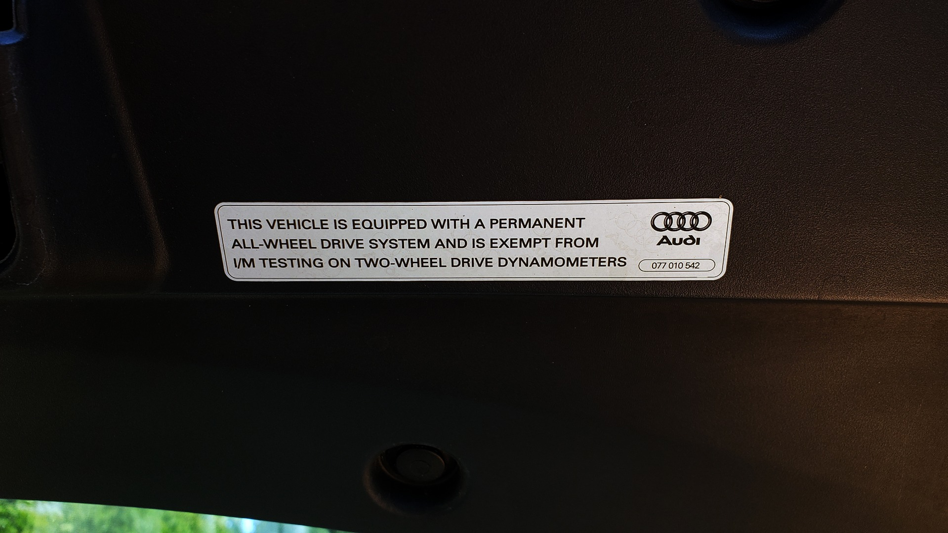 Used 2012 Audi R8 5.2L V10 / AWD / COUPE / NAV / 6-SPD AUTO / CUSTOM WRAP for sale Sold at Formula Imports in Charlotte NC 28227 19