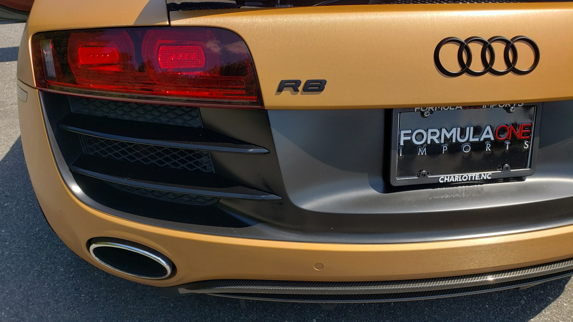 Used 2012 Audi R8 5.2L V10 / AWD / COUPE / NAV / 6-SPD AUTO / CUSTOM WRAP for sale Sold at Formula Imports in Charlotte NC 28227 21
