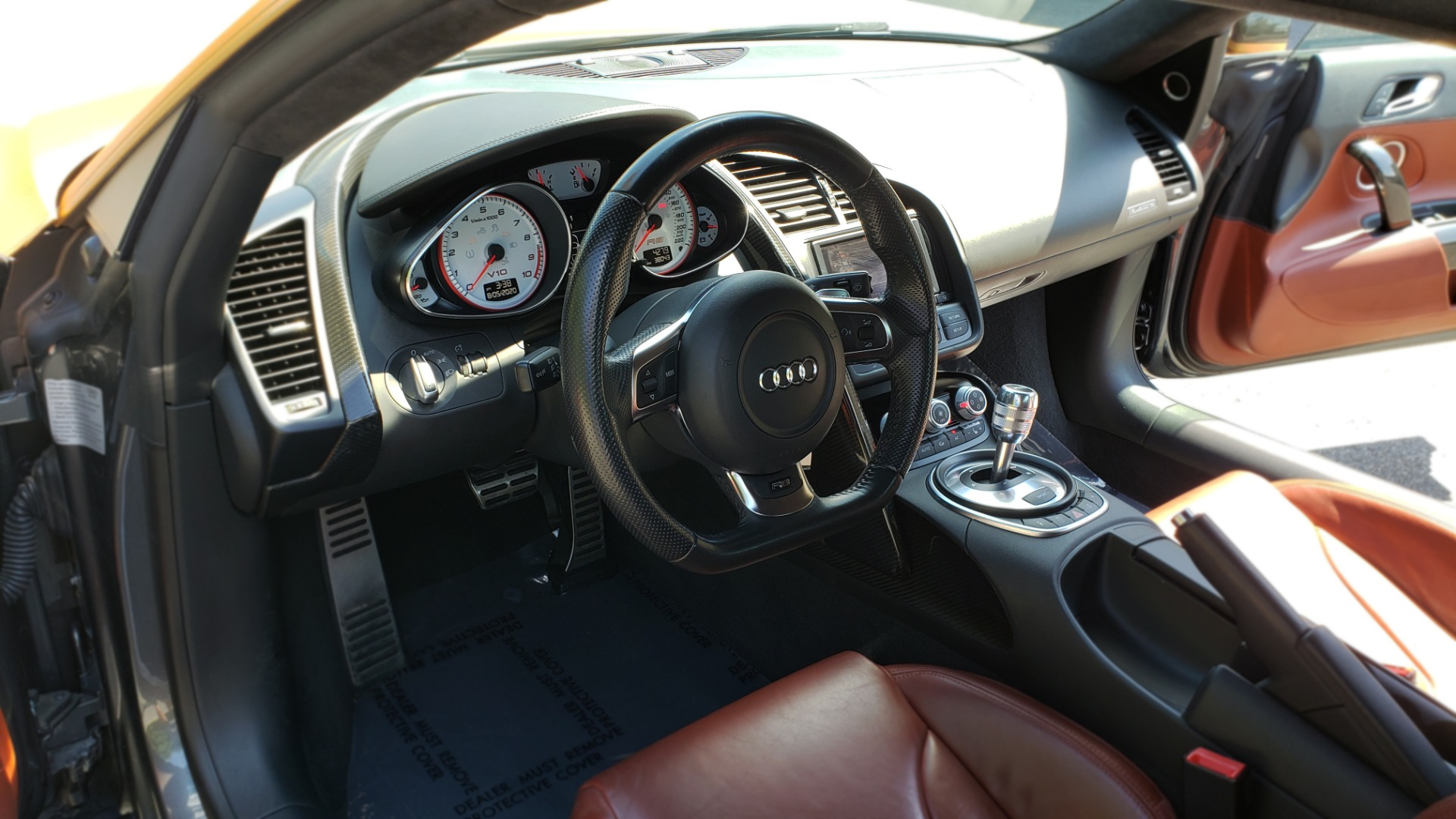 Used 2012 Audi R8 5.2L V10 / AWD / COUPE / NAV / 6-SPD AUTO / CUSTOM WRAP for sale Sold at Formula Imports in Charlotte NC 28227 27