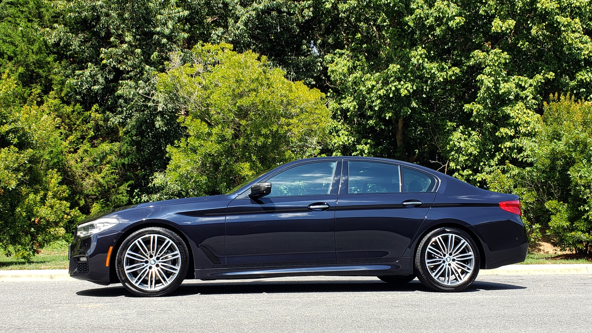 Used 2017 BMW 5 SERIES 540I XDRIVE PREMIUM / NAV / DRVR ASST PLUS / CLD WTHR / SUNROOF / REARVIEW for sale Sold at Formula Imports in Charlotte NC 28227 2