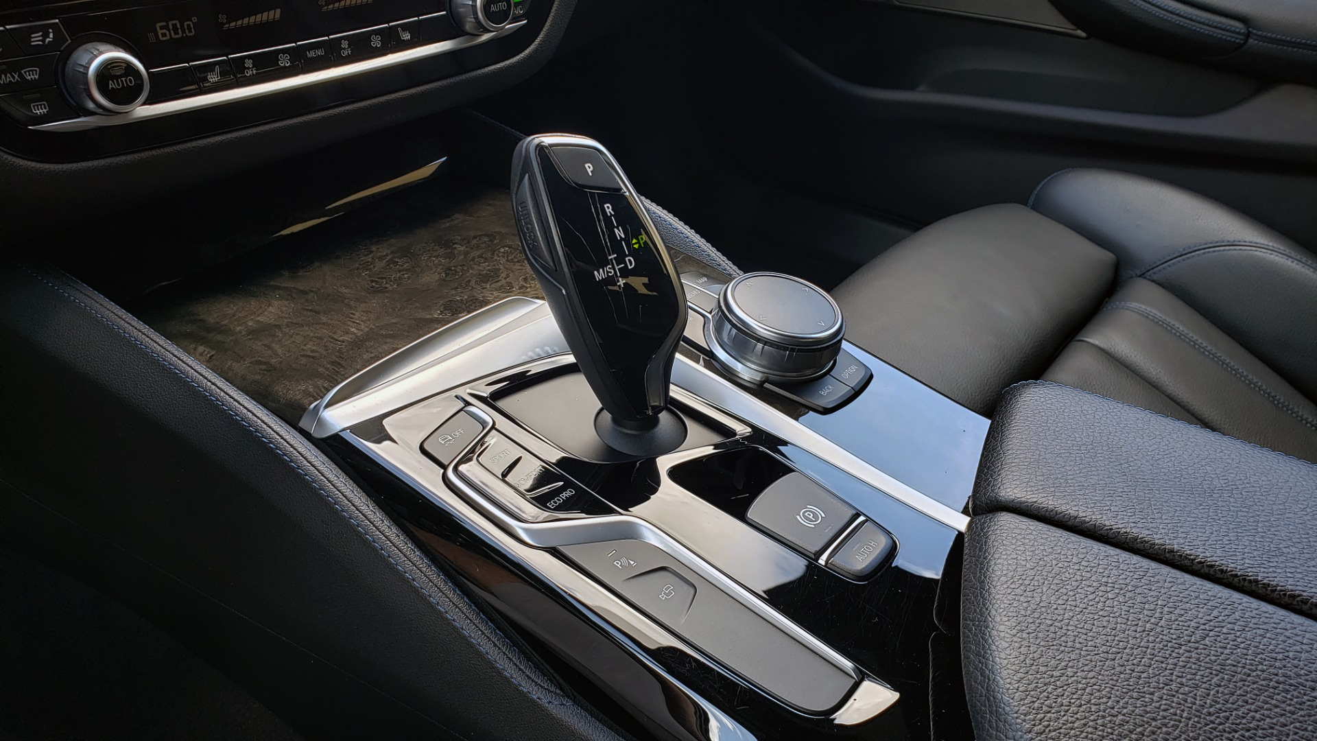 Used 2017 BMW 5 SERIES 540I XDRIVE M-SPORT / PREMIUM / NAV / HUD / SUNROOF / REARVIEW for sale $34,995 at Formula Imports in Charlotte NC 28227 46