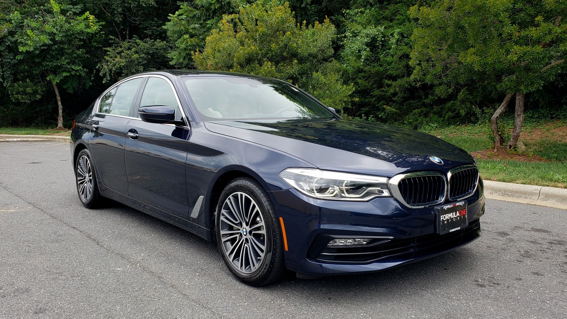 Used 2017 BMW 5 SERIES 540I XDRIVE PREMIUM / NAV / DRVR ASST / CLD WTHR / SUNROOF / REARVIEW for sale Sold at Formula Imports in Charlotte NC 28227 4