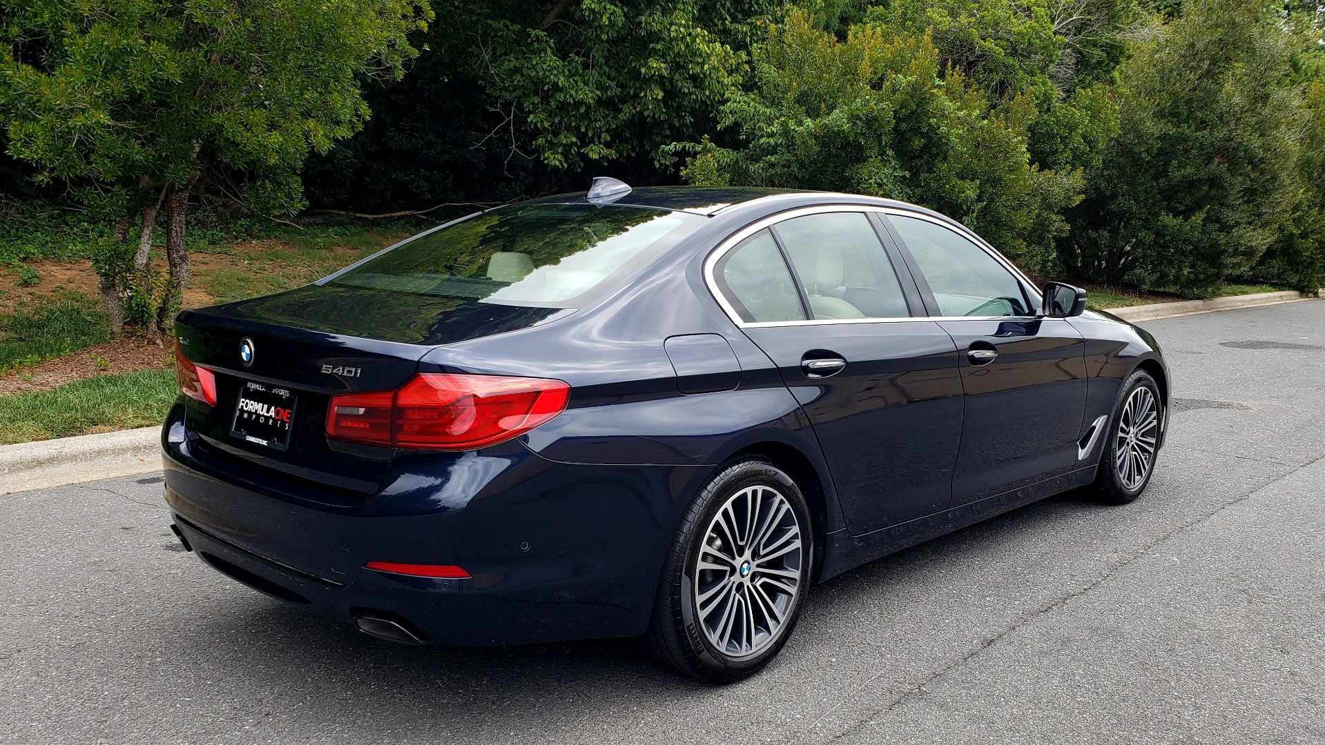 Used 2017 BMW 5 SERIES 540I XDRIVE PREMIUM / NAV / DRVR ASST / CLD WTHR / SUNROOF / REARVIEW for sale Sold at Formula Imports in Charlotte NC 28227 6