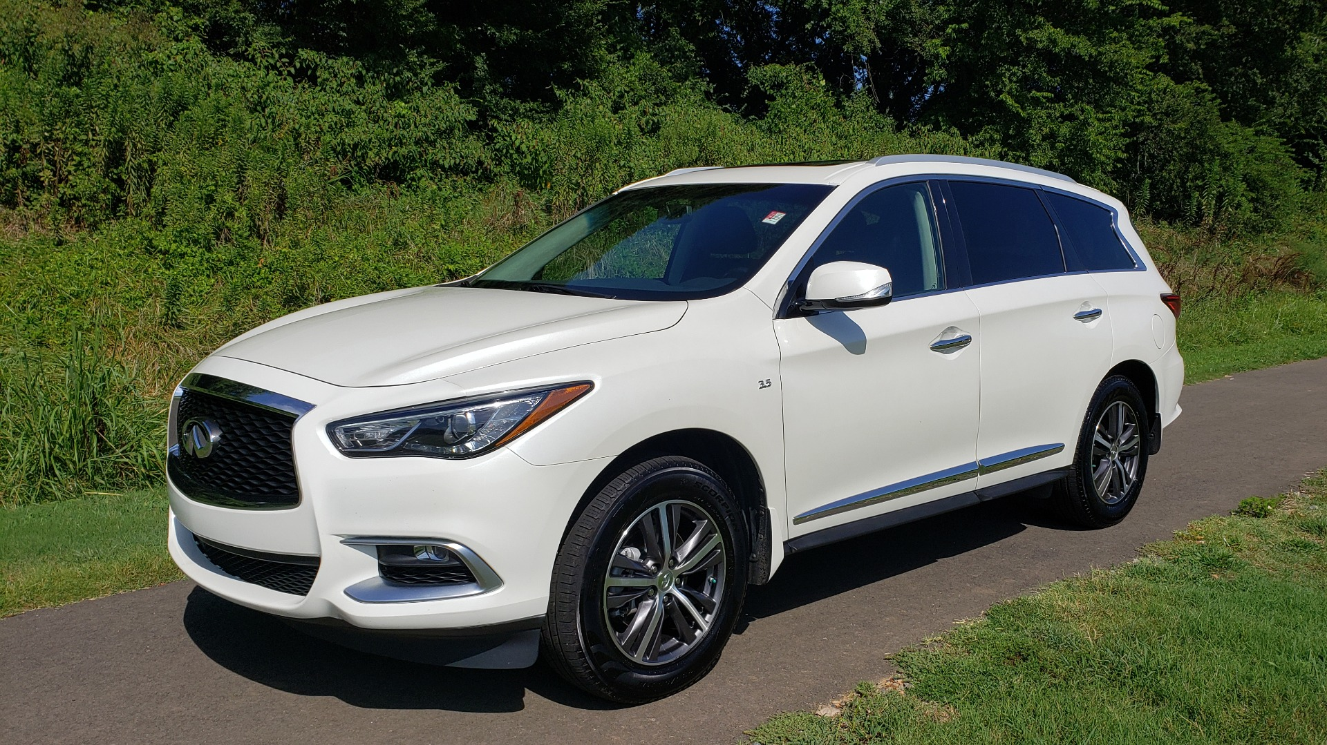 Used 2016 Infiniti QX60 AWD / 3.5L V6 / SUNROOF / HTD STS / 3-ROW / TOWING / REARVIEW for sale Sold at Formula Imports in Charlotte NC 28227 3