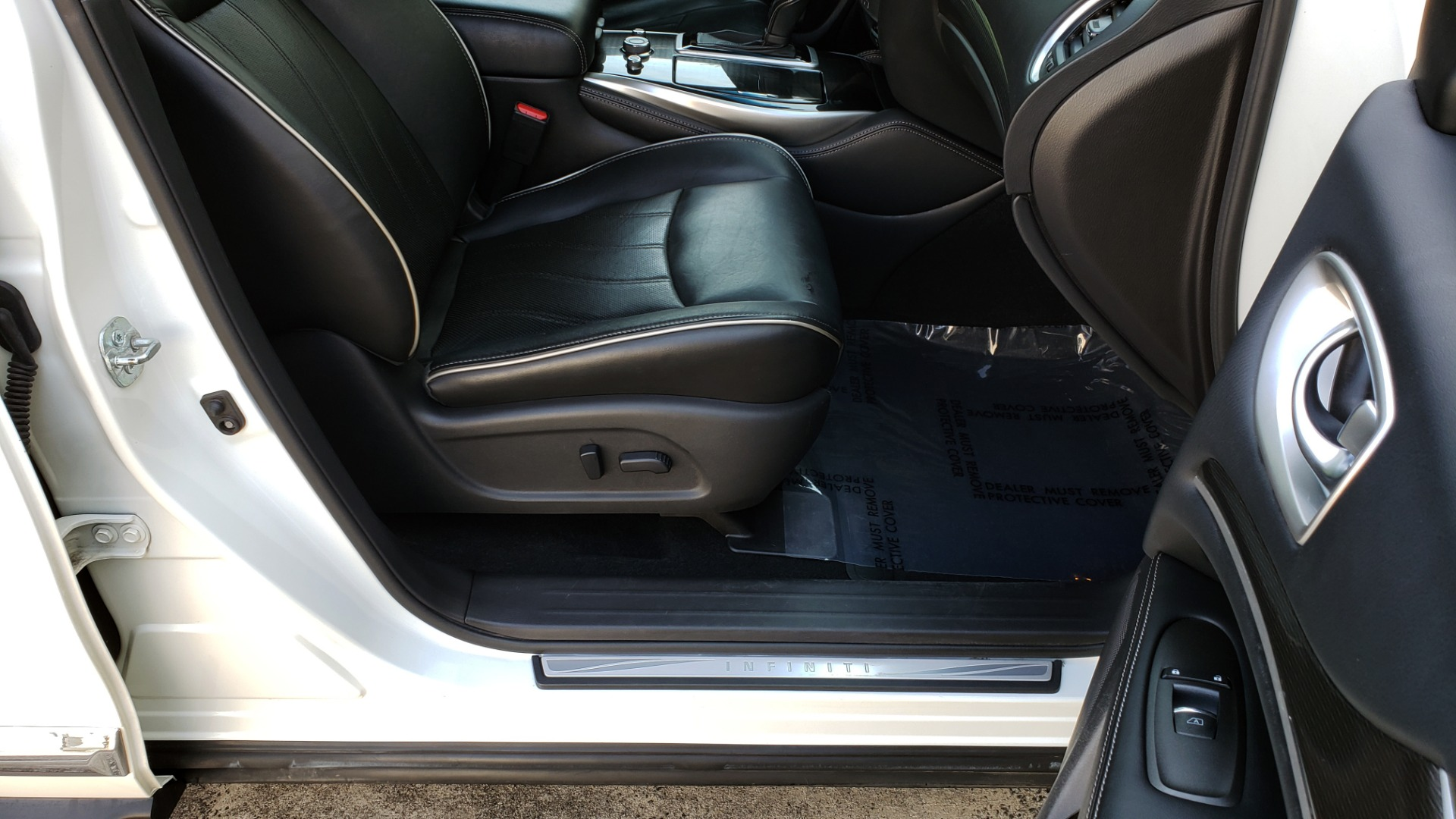 Used 2016 Infiniti QX60 AWD / 3.5L V6 / SUNROOF / HTD STS / 3-ROW / TOWING / REARVIEW for sale Sold at Formula Imports in Charlotte NC 28227 68