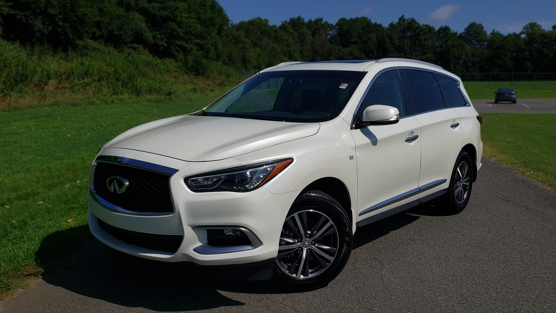 Used 2016 Infiniti QX60 AWD / 3.5L V6 / SUNROOF / HTD STS / 3-ROW / TOWING / REARVIEW for sale Sold at Formula Imports in Charlotte NC 28227 1