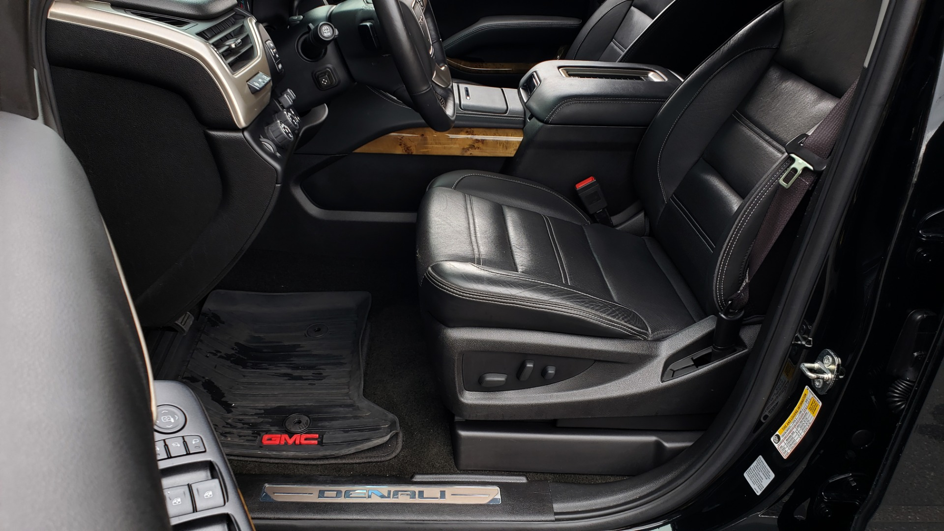 Used 2017 GMC YUKON XL DENALI 4WD / NAV / SUNROOF / ENT / 3-ROWS / BOSE / REARVIEW for sale $48,695 at Formula Imports in Charlotte NC 28227 38