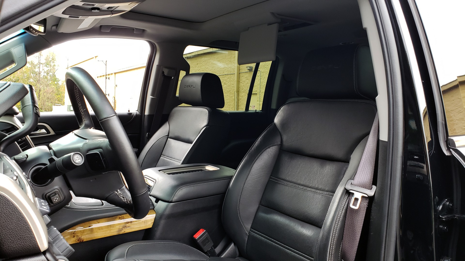 Used 2017 GMC YUKON XL DENALI 4WD / NAV / SUNROOF / ENT / 3-ROWS / BOSE / REARVIEW for sale Sold at Formula Imports in Charlotte NC 28227 39