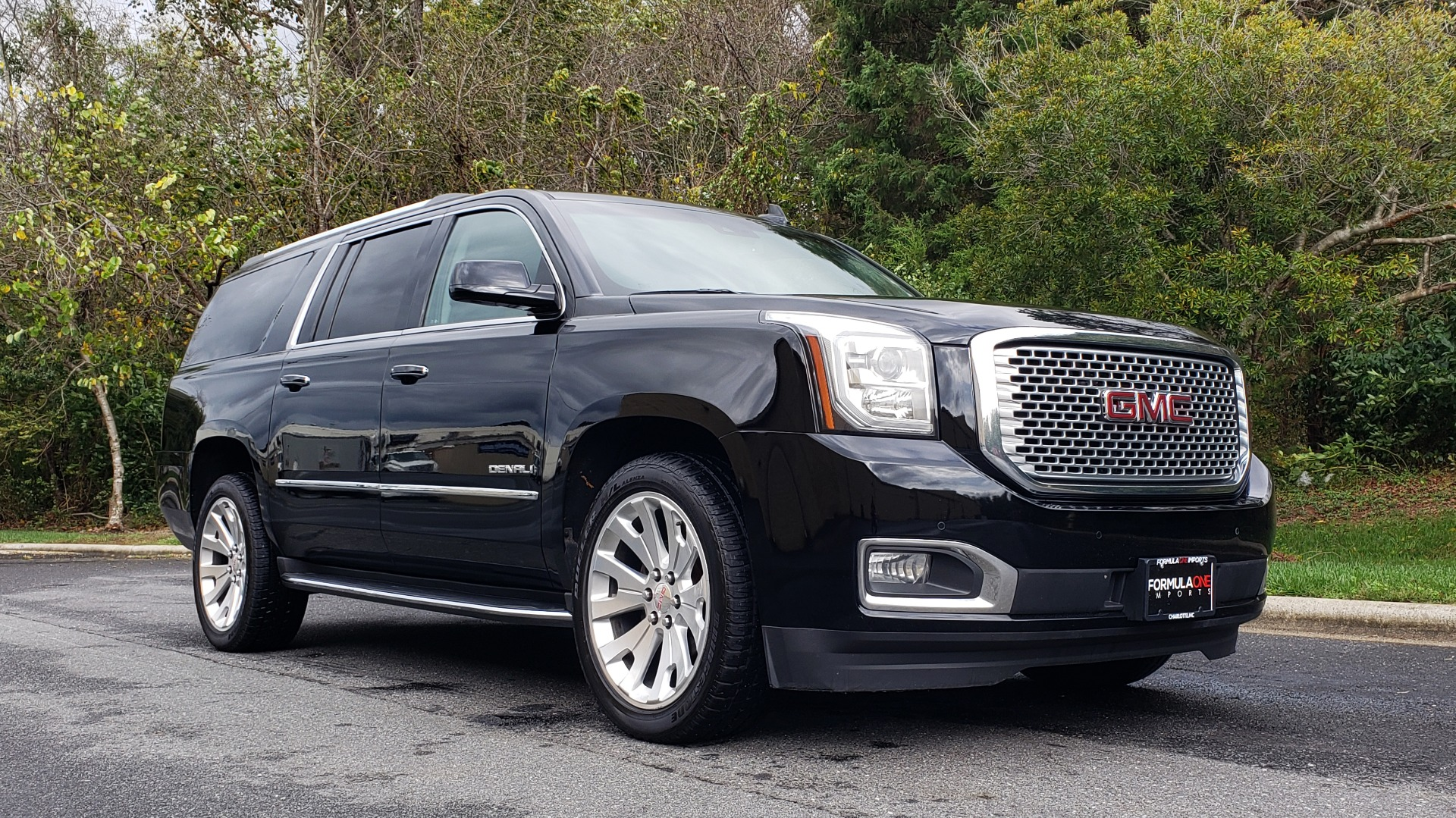 Used 2017 GMC YUKON XL DENALI 4WD / NAV / SUNROOF / ENT / 3-ROWS / BOSE / REARVIEW for sale Sold at Formula Imports in Charlotte NC 28227 4