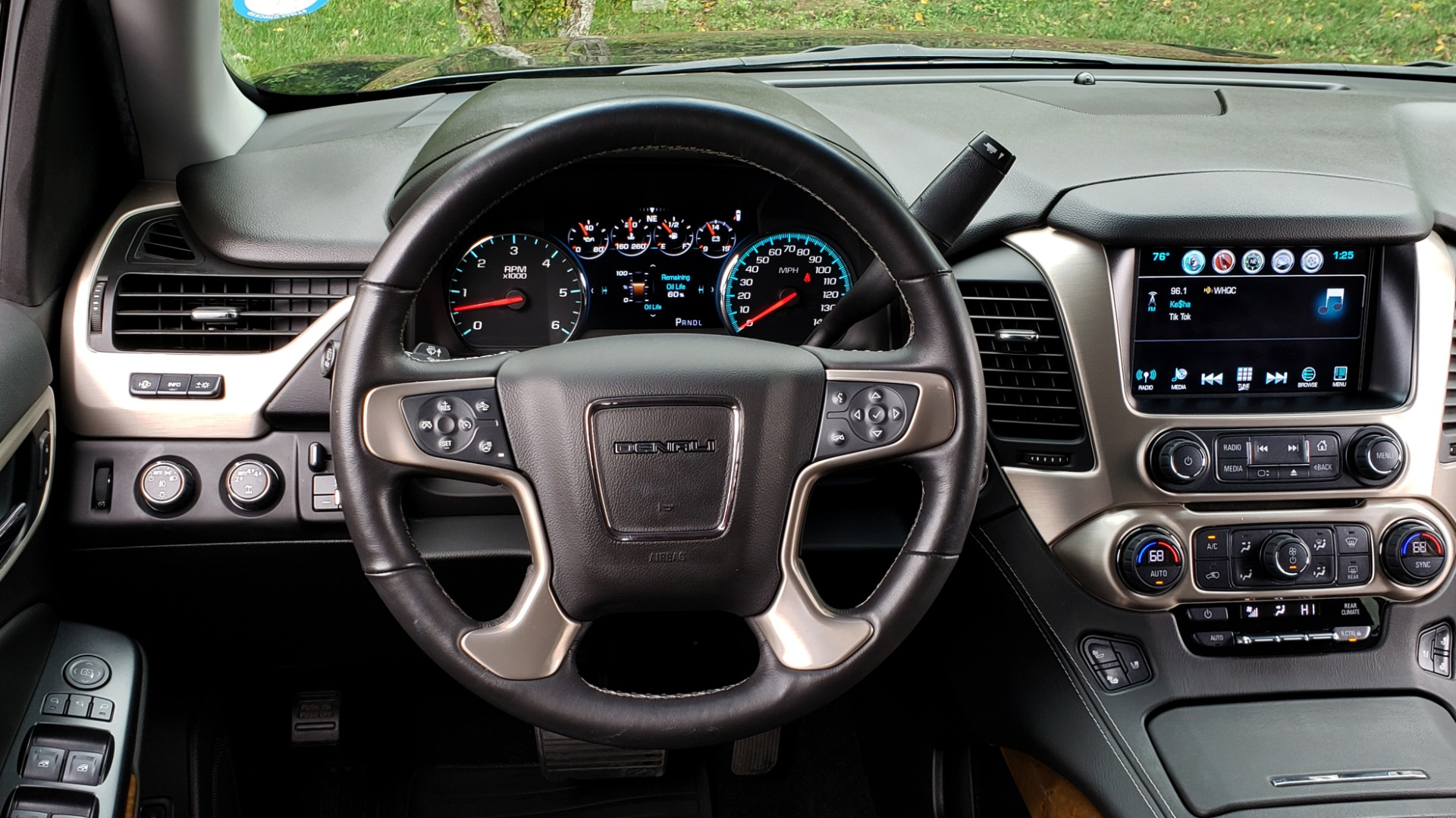 Used 2017 GMC YUKON XL DENALI 4WD / NAV / SUNROOF / ENT / 3-ROWS / BOSE / REARVIEW for sale Sold at Formula Imports in Charlotte NC 28227 42