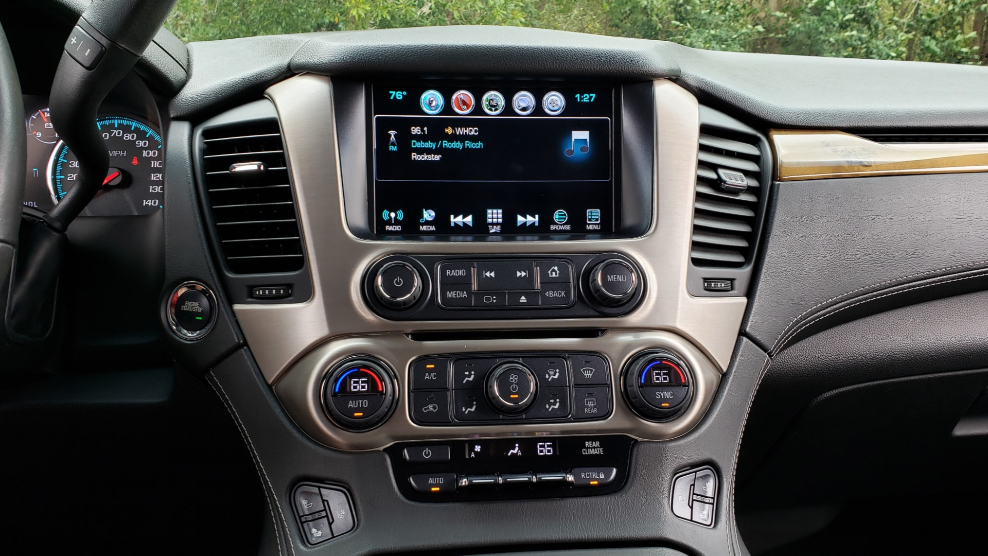 Used 2017 GMC YUKON XL DENALI 4WD / NAV / SUNROOF / ENT / 3-ROWS / BOSE / REARVIEW for sale Sold at Formula Imports in Charlotte NC 28227 50