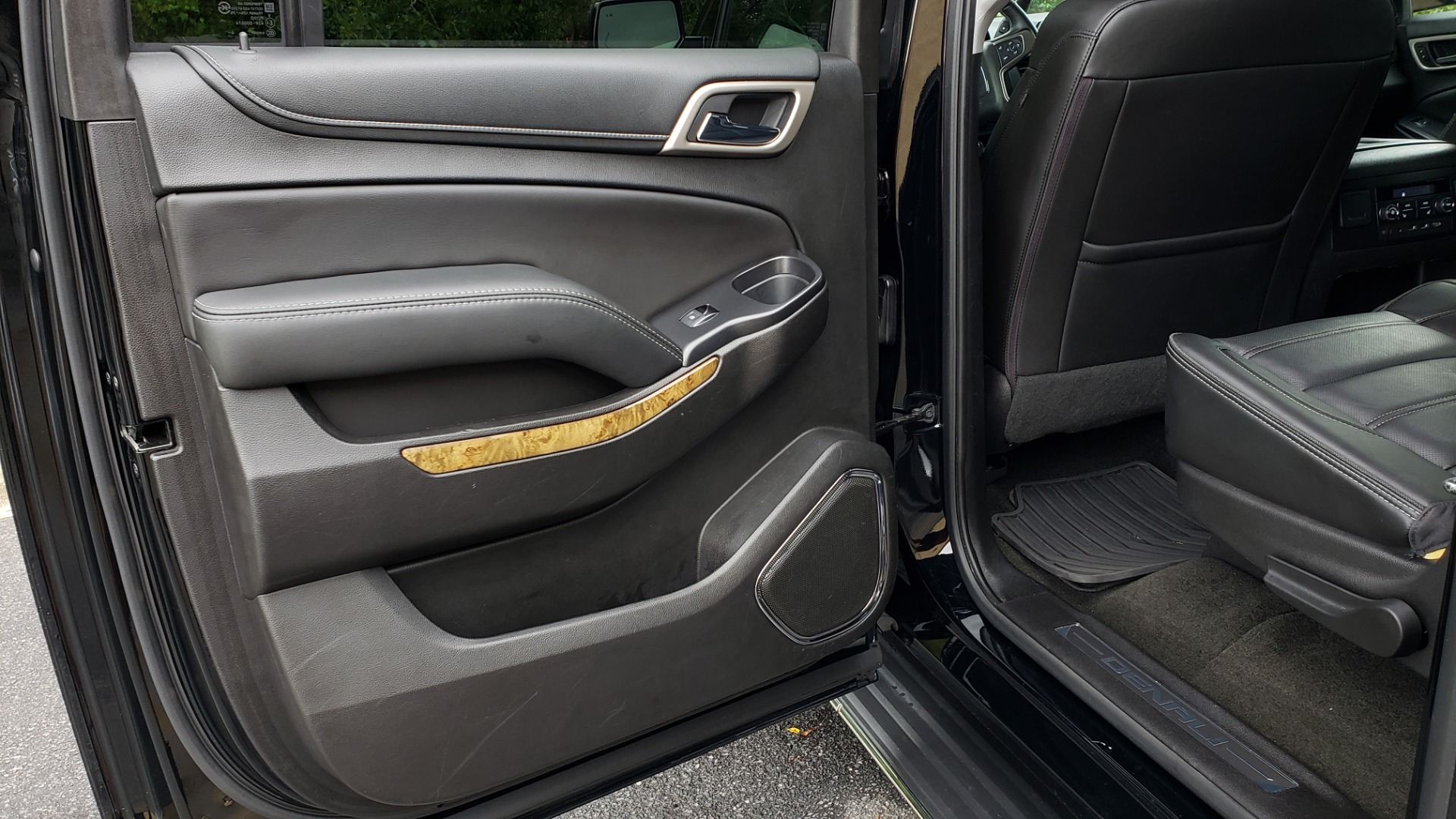 Used 2017 GMC YUKON XL DENALI 4WD / NAV / SUNROOF / ENT / 3-ROWS / BOSE / REARVIEW for sale Sold at Formula Imports in Charlotte NC 28227 64