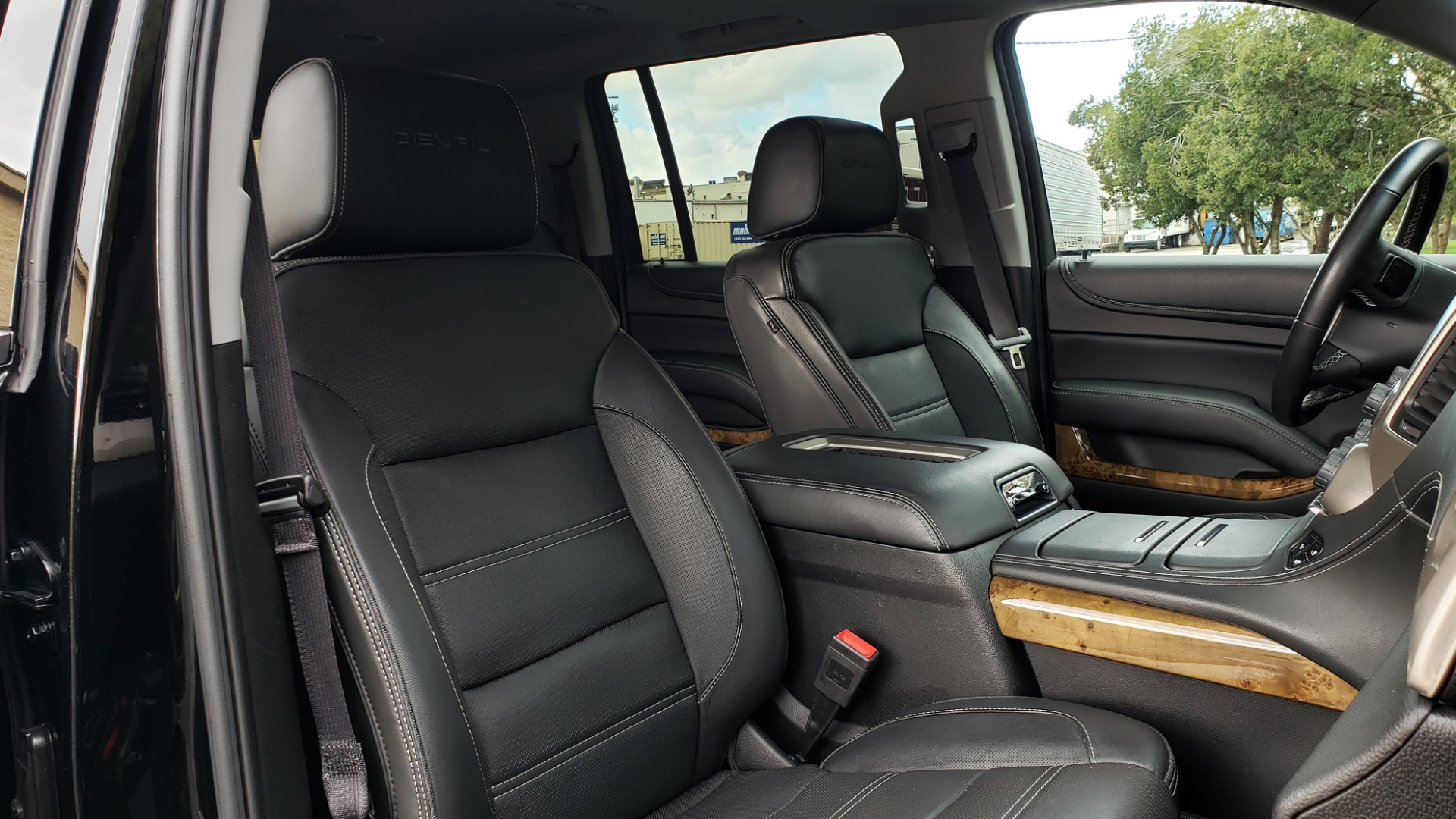 Used 2017 GMC YUKON XL DENALI 4WD / NAV / SUNROOF / ENT / 3-ROWS / BOSE / REARVIEW for sale Sold at Formula Imports in Charlotte NC 28227 77