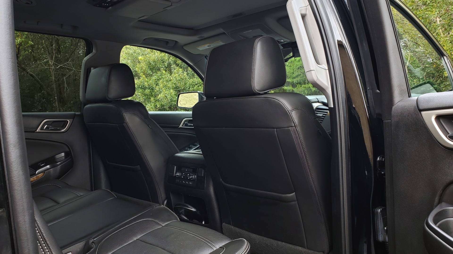 Used 2017 GMC YUKON XL DENALI 4WD / NAV / SUNROOF / ENT / 3-ROWS / BOSE / REARVIEW for sale Sold at Formula Imports in Charlotte NC 28227 86